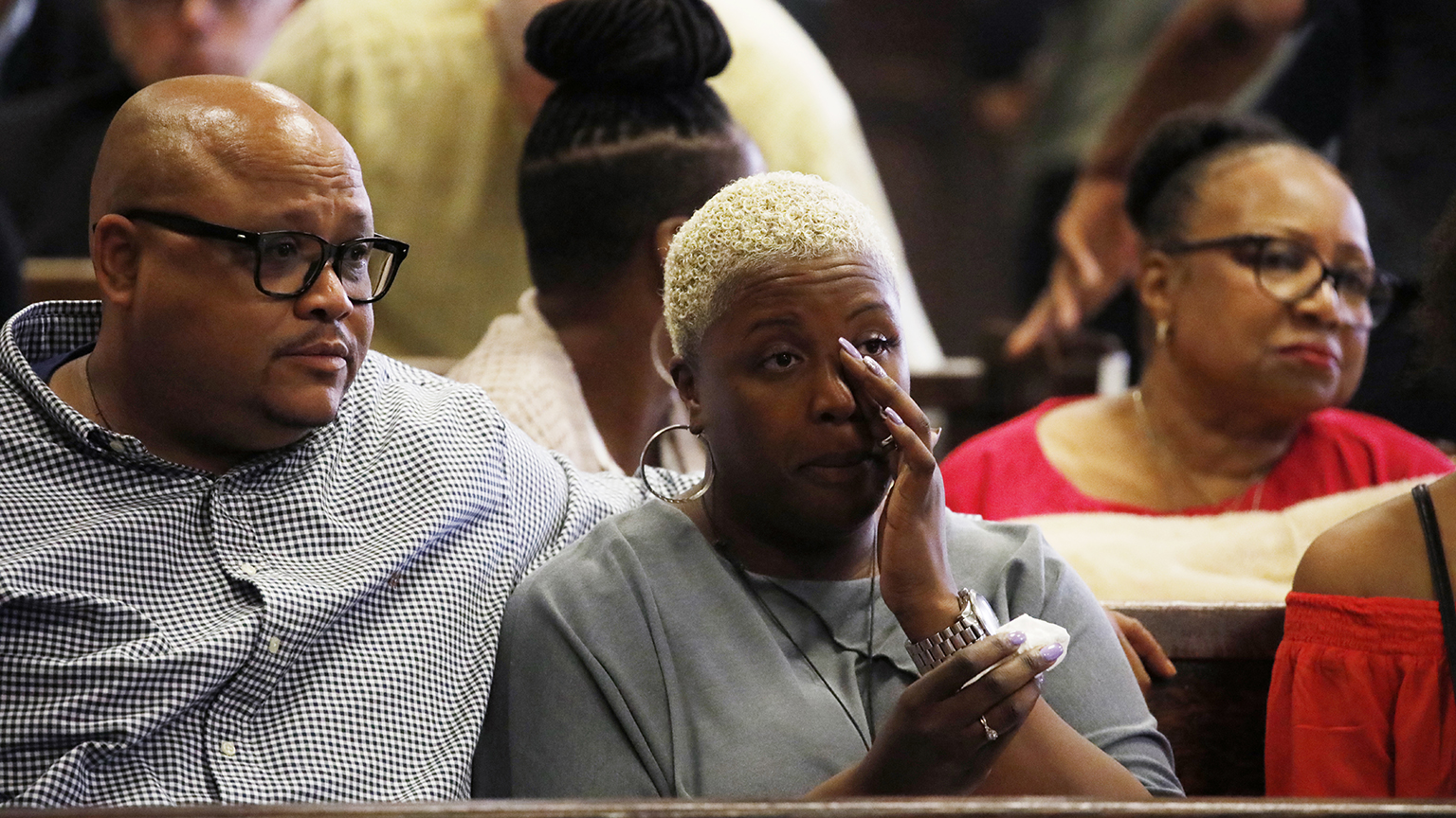 Nathaniel Pendleton Sr. and Cleopatra Cowley, parents of Hadiya Pendleton, listen to closing arguments in the Micheail Ward case during the trial for the fatal shooting of Hadiya Pendleton at the Leighton Criminal Court Building in Chicago on Aug. 23, 2018. (Jose M. Osorio / Chicago Tribune / Pool)