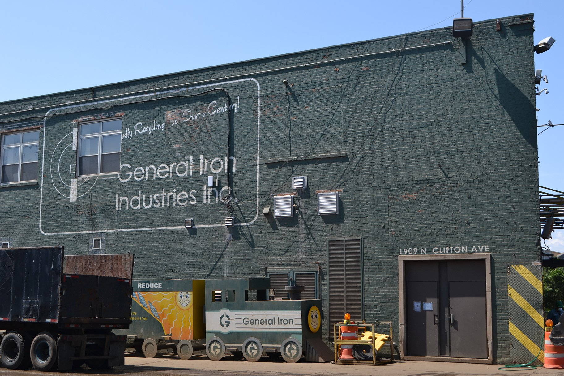 General Iron plans to move from its current location in Lincoln Park to a section of the former Republic Steel site along the Calumet River. (Alex Ruppenthal / WTTW News)