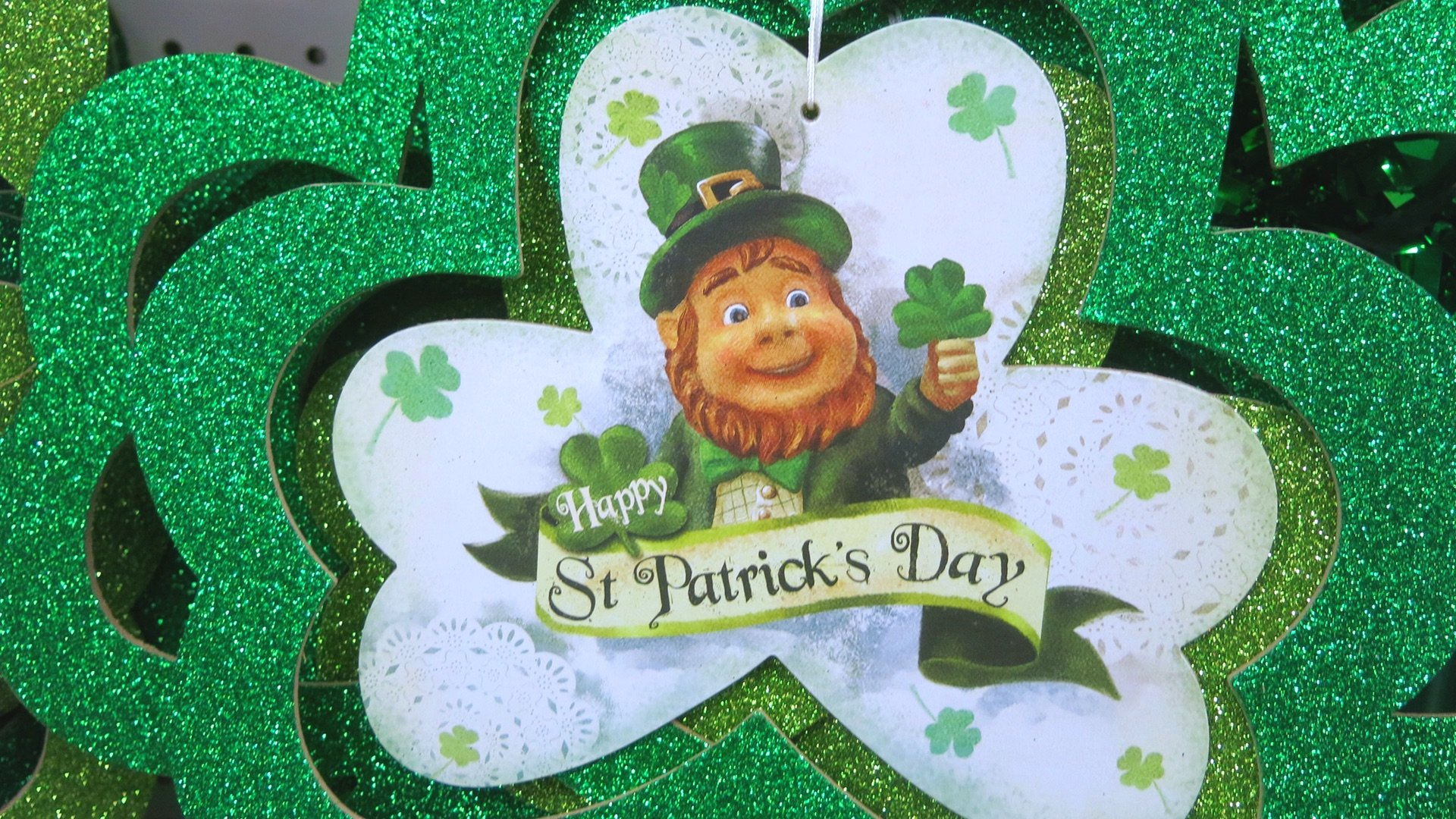 Neighbors Attempt To Salvage St Patrick S Day Fun With No Contact