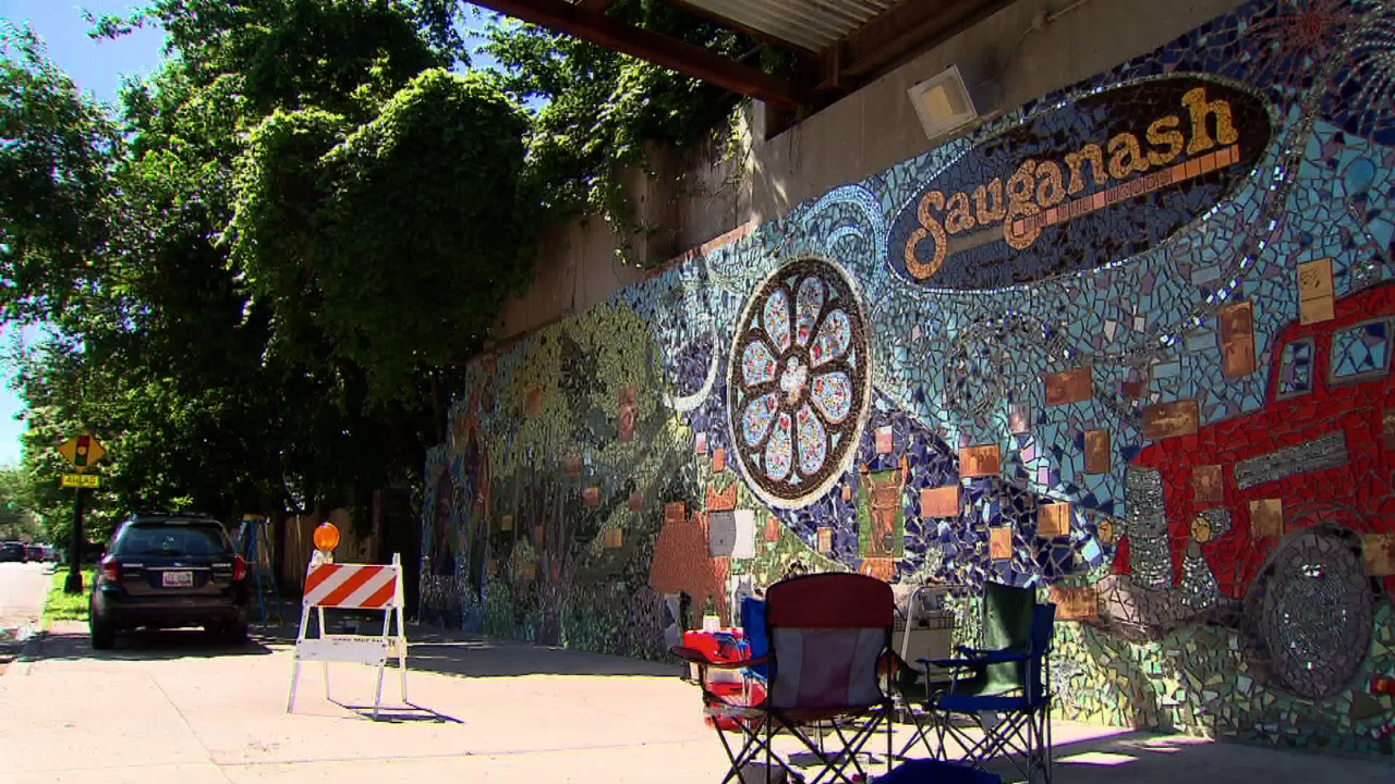 Sauganash mural chicago tonight wttw for Chicago mural group