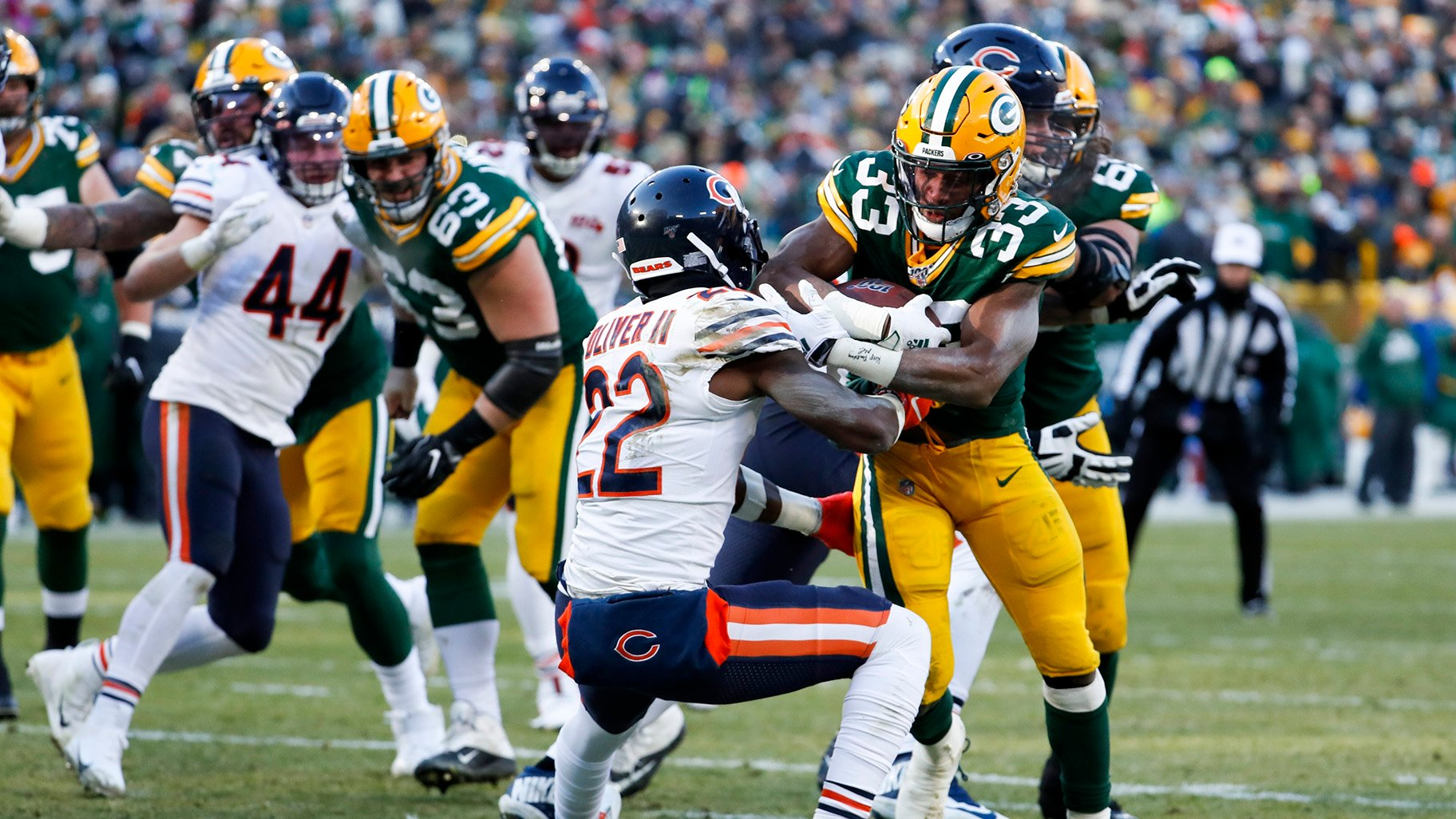 Packers Playoff Bound Beat Bears In Rivals 200th Game Chicago News Wttw