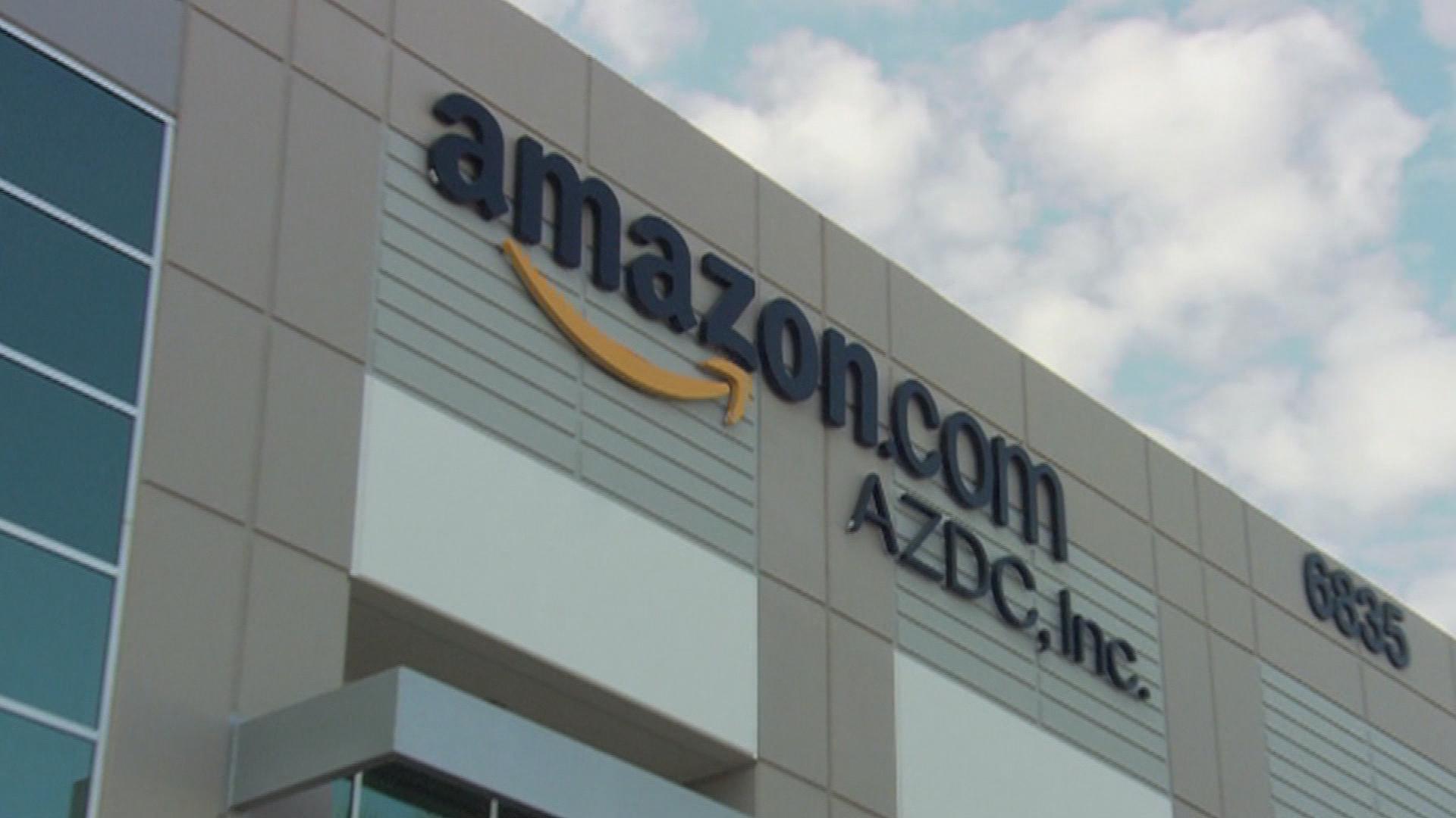 Crain's Headlines: Amazon Adds 400 Jobs to Chicago Office