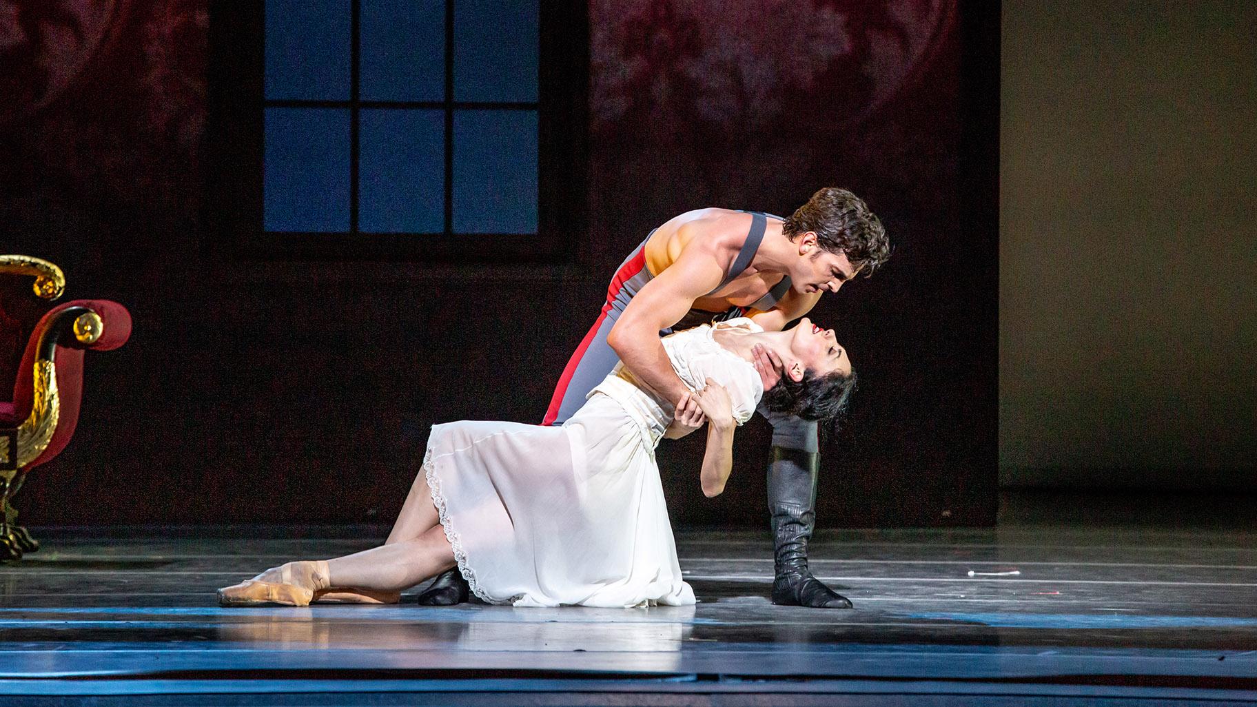 Joffrey Ballet's World Premiere 'Anna Karenina' Fit for the Silver Screen