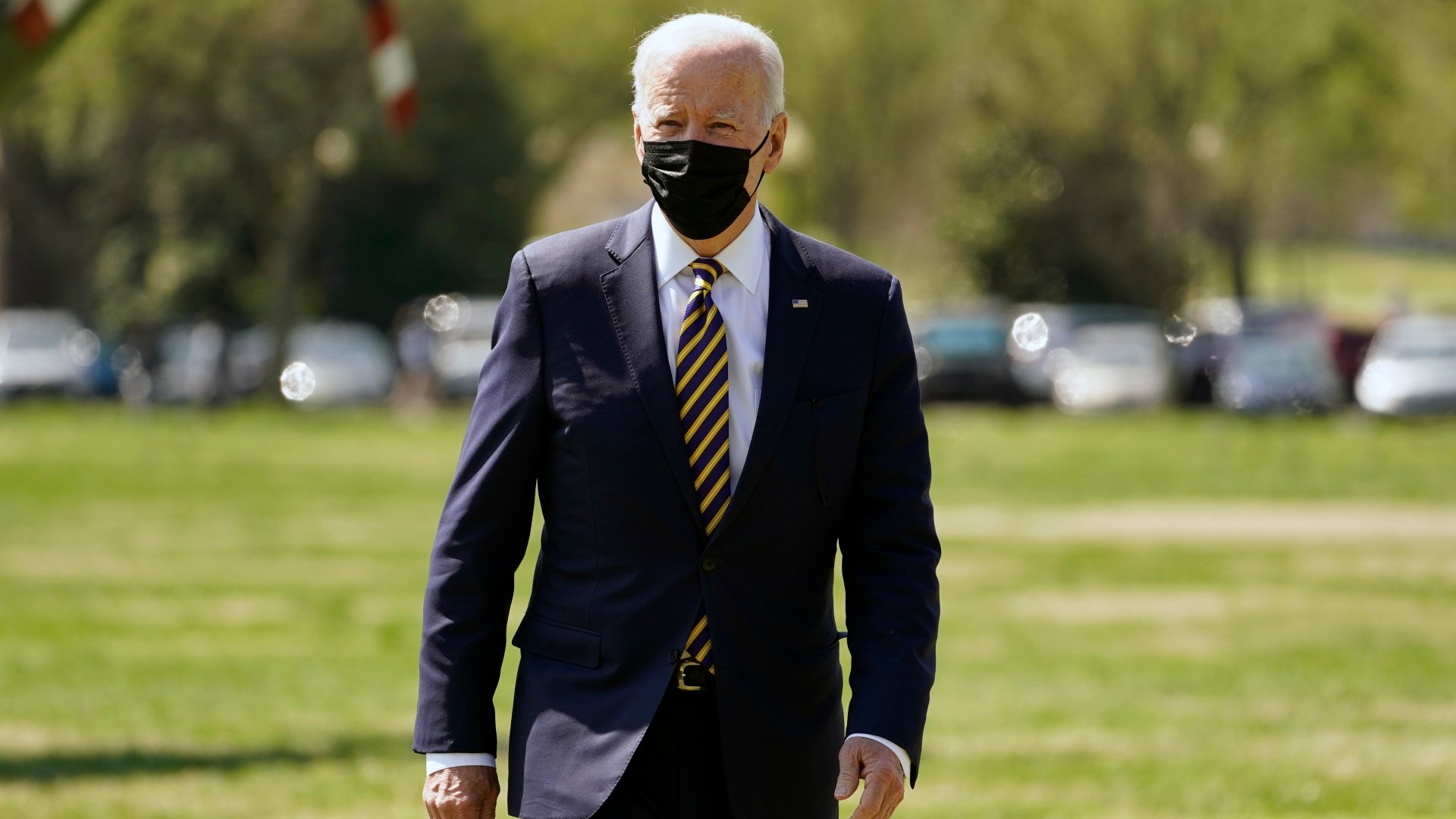 Official: Biden Moving Vaccine Eligibility Date to April 19   Chicago News