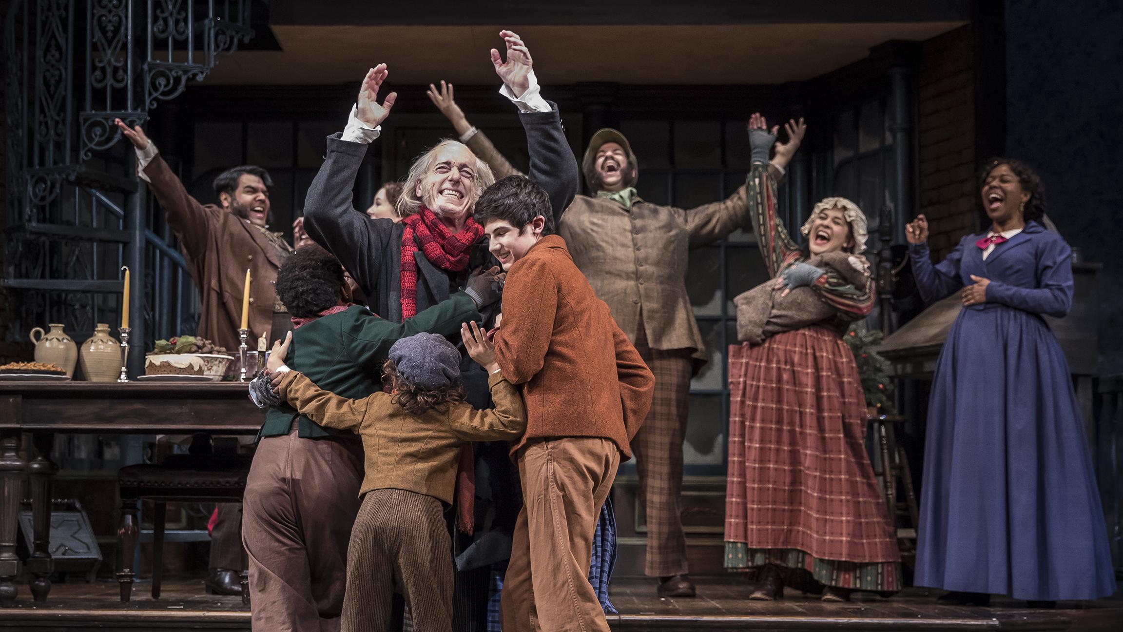 A Christmas Carol Cast.A Christmas Carol At Goodman Theatre Celebrates 40th