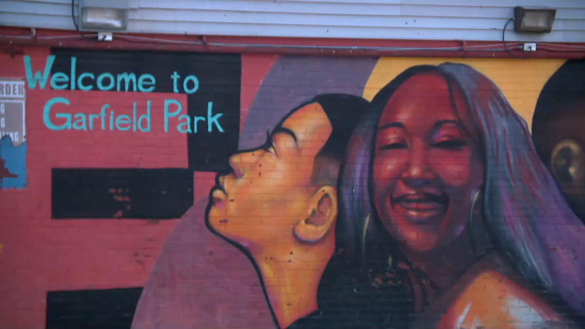 West garfield park hook up site officiel