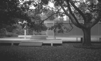 Farnsworth House, Plano, Illinois (1951); click image to view photo gallery