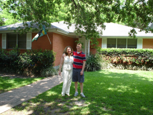 David Kaplinsky (right) with his mother in front of their home in New Orleans before Hurricane Katrina.