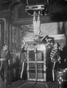 Harry Houdini's water torture cell escape