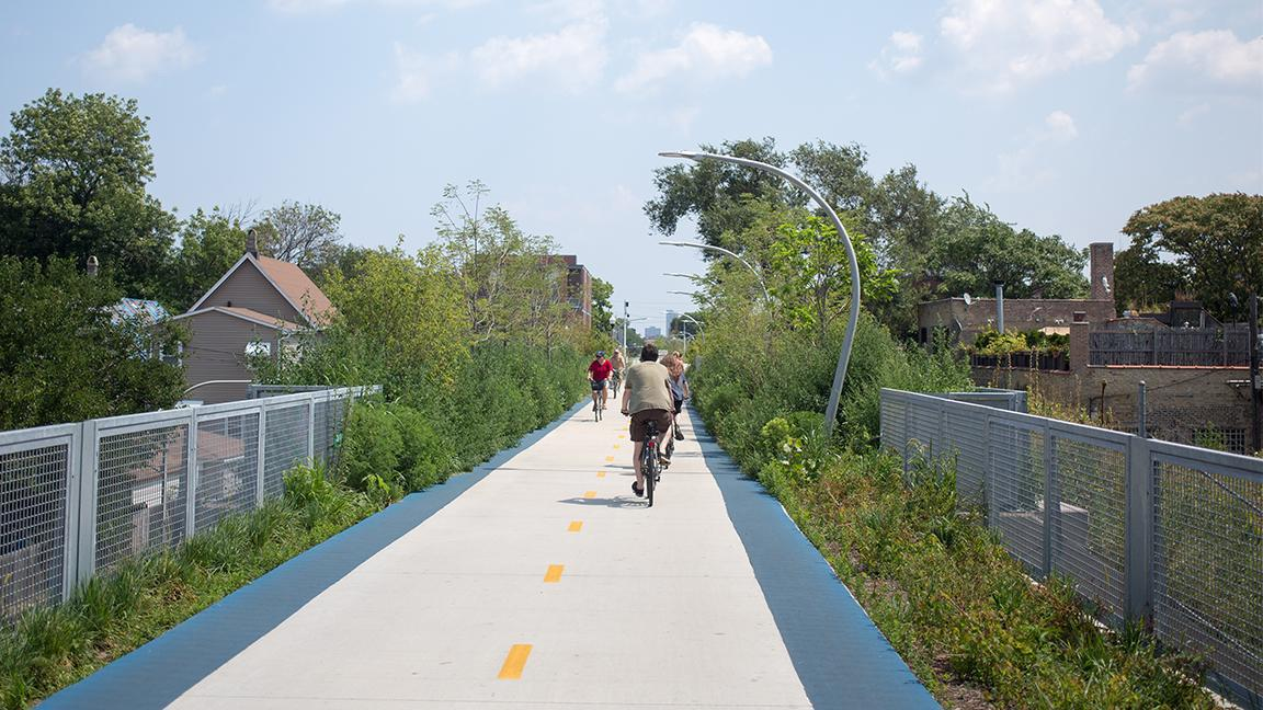 The Bloomingdale Trail, also known as the 606, was opened by the city in 2015. The nearly three-mile elevated pedestrian and bike path runs through the West Town, Logan Square and Humboldt Park neighborhoods. (Victor Grigas / Wikimedia Commons)
