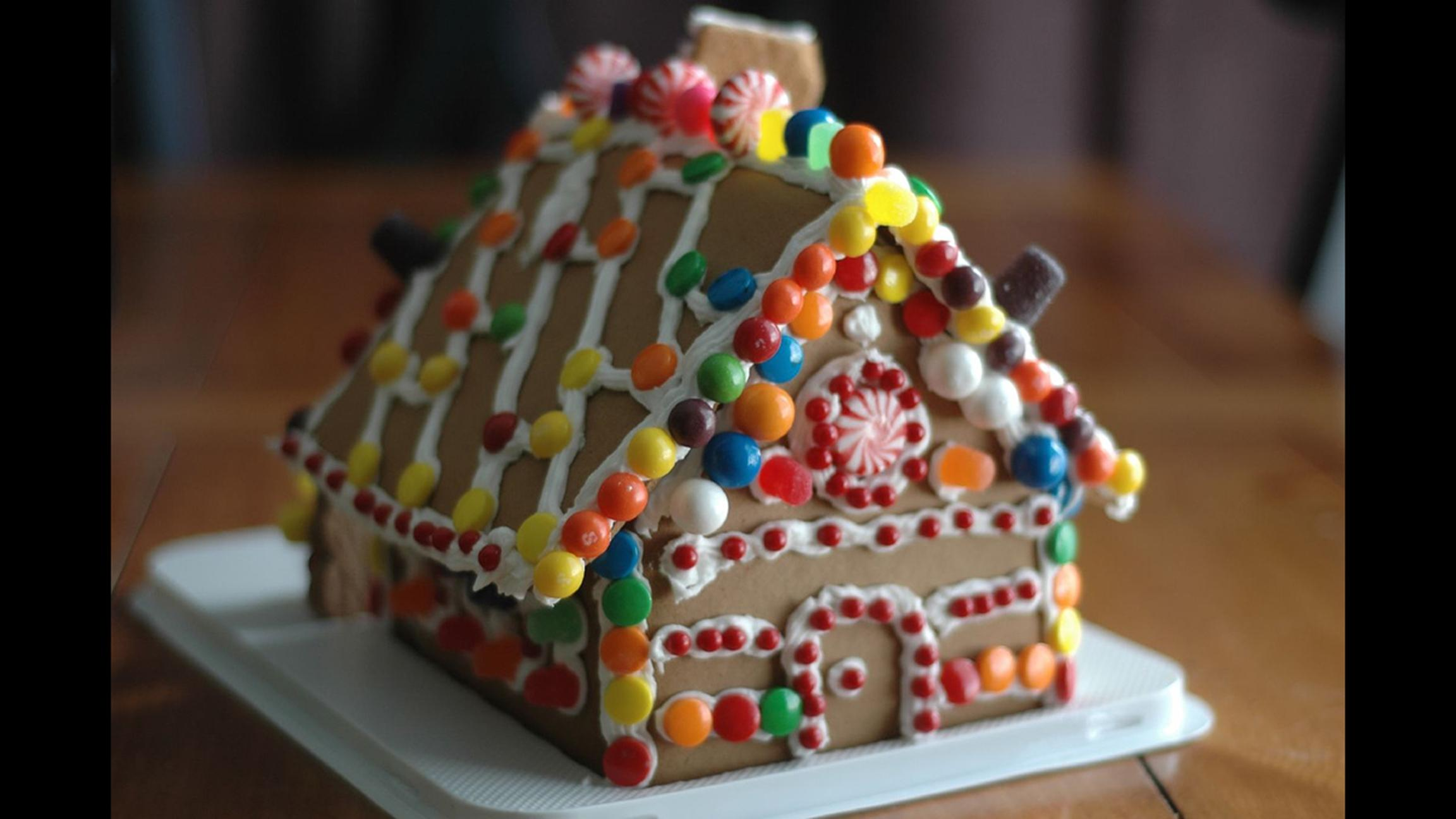 House party: Indulge your sweet side with gingerbread house-decorating events. (Carrie Stephens / Flickr)