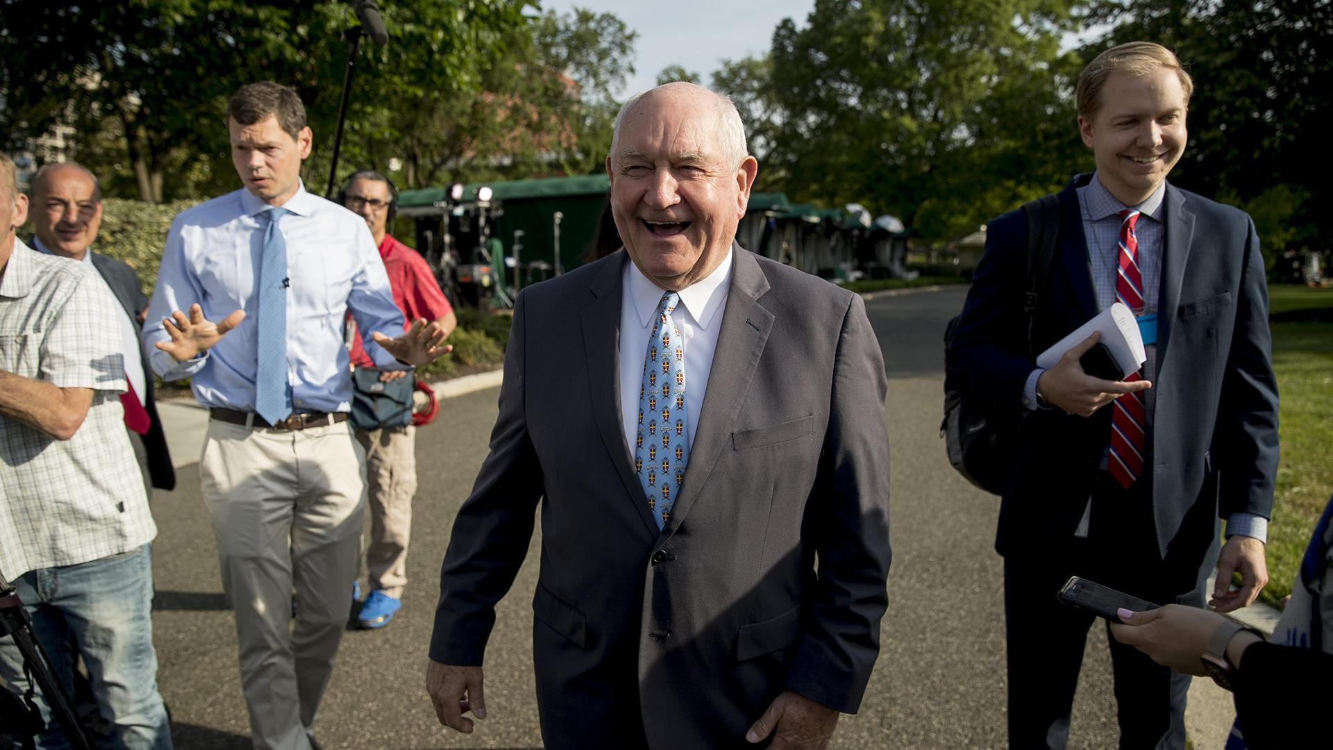 Agriculture Secretary Sonny Perdue laughs with a reporter on the North Lawn of the White House in Washington, Thursday, May 23, 2019. (AP Photo / Andrew Harnik)