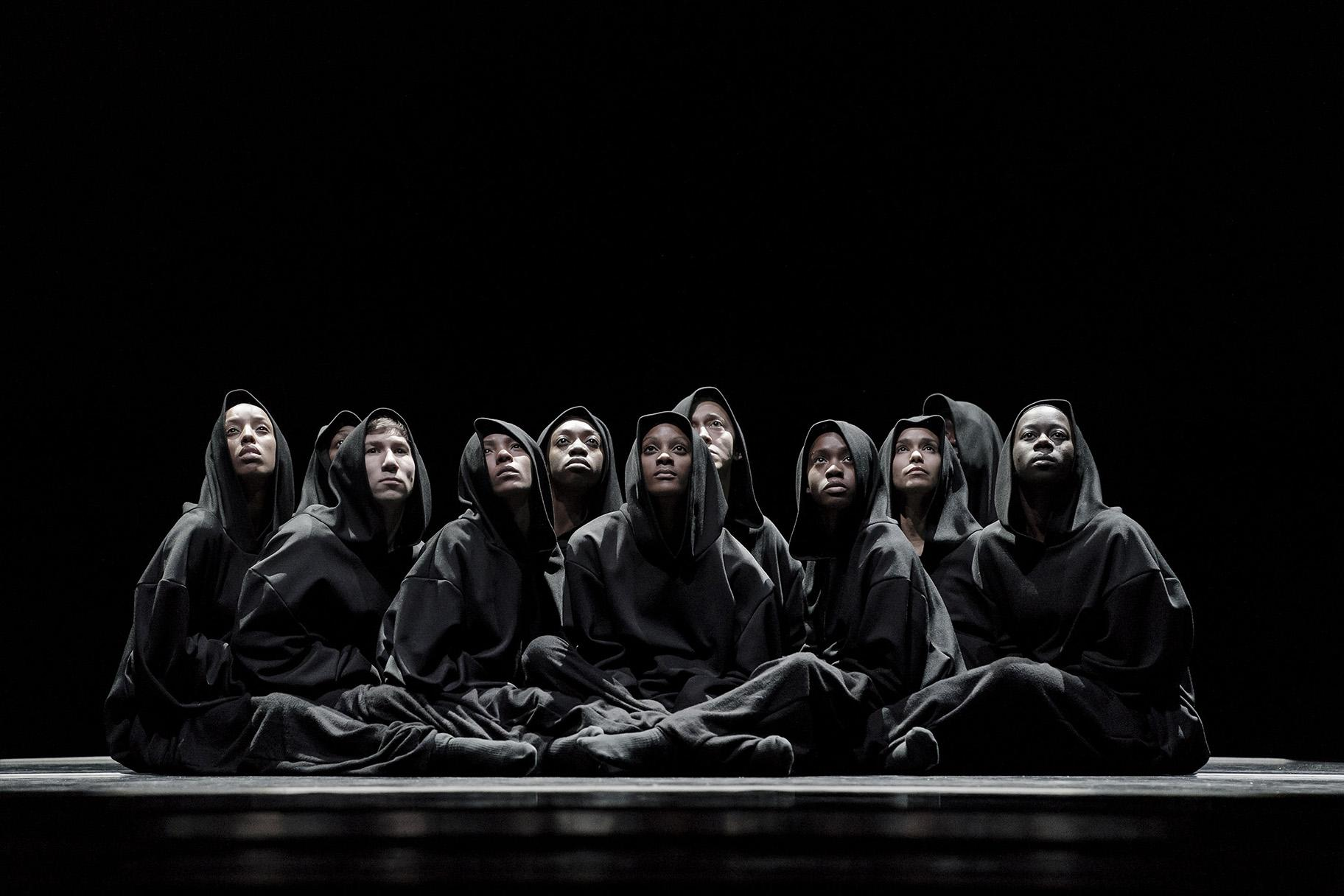 "Alvin Ailey American Dance Theater in Aszure Barton's ""Busk."" (Photo by Paul Kolnik)"
