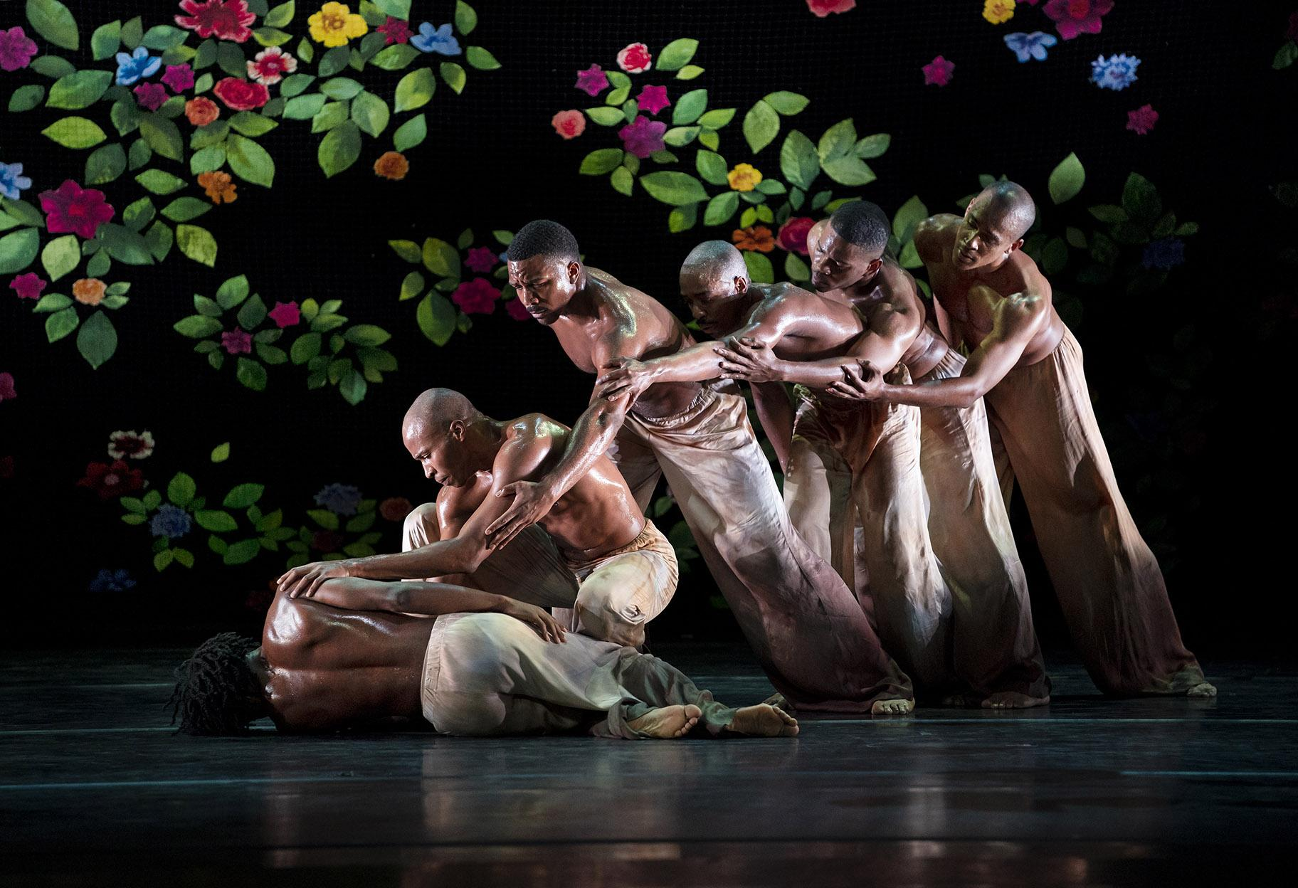 "Alvin Ailey American Dance Theater in Jamar Roberts' ""Ode."" (Photo by Paul Kolnik)"