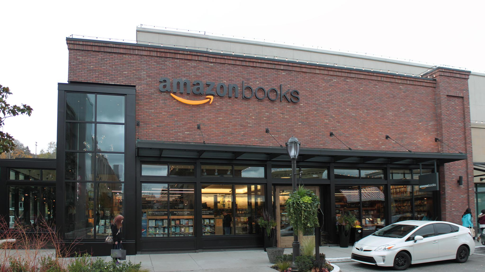 Independent bookstores wary of amazon s arrival to chicago for Amazon design shop