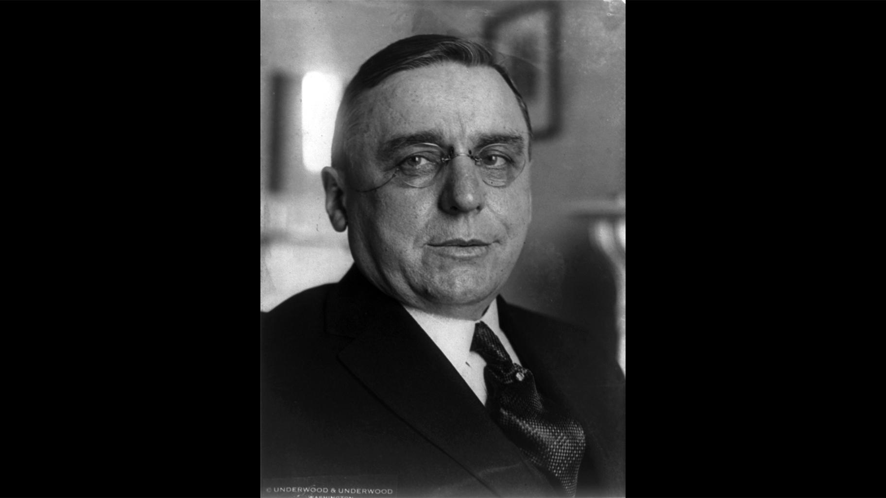 Starosta Chicaga Anton Cermak, sám český přistěhovalec, sloužil na začátku 30. let dva roky ve funkci.  (S laskavým svolením Kongresové knihovny)