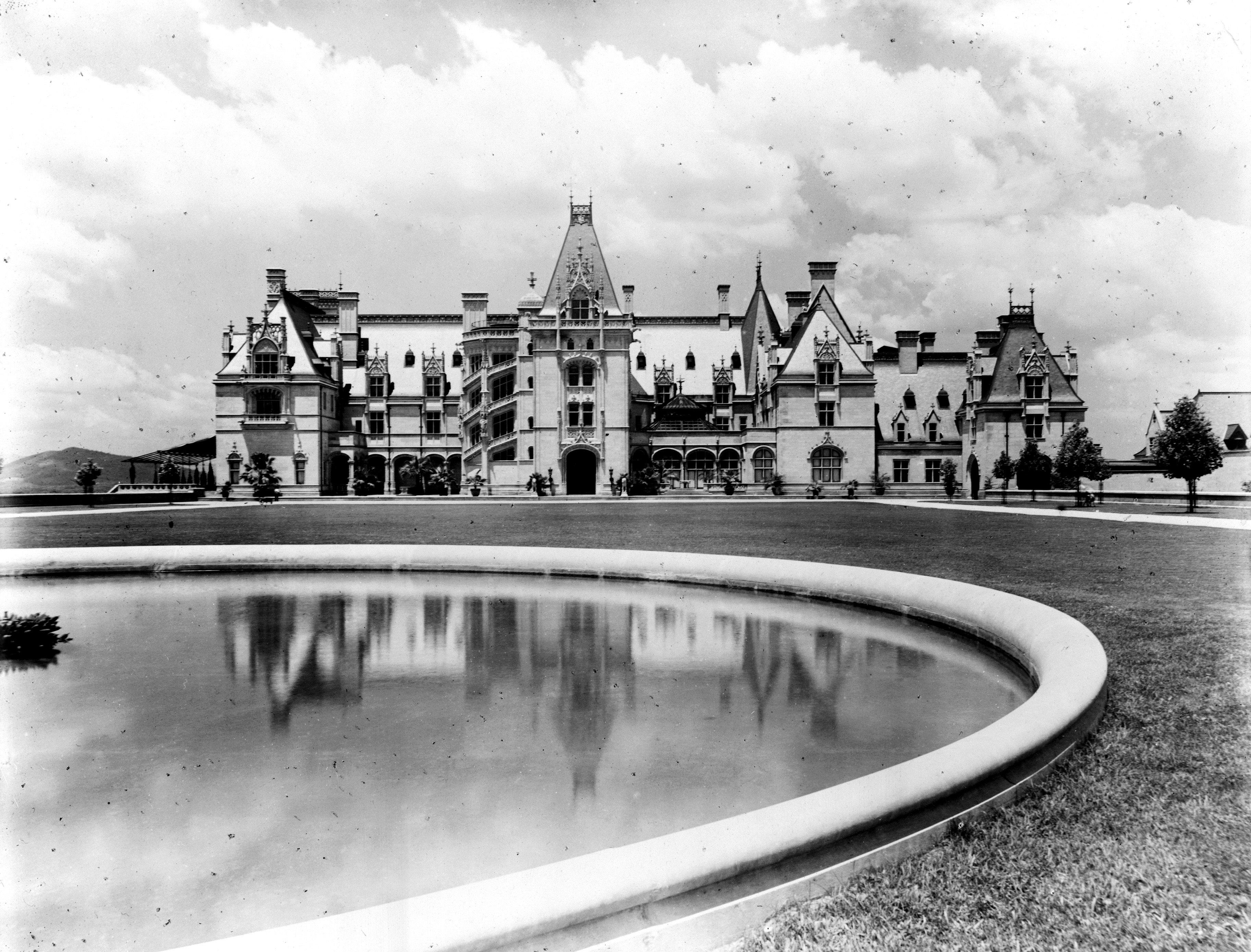 Biltmore Estate (John H. Tarbell / Library of Congress)