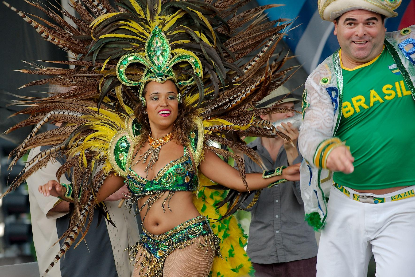 Chicago-based Brazilian dancer Edilson Lima, right, performs at Albany Park World Fest.
