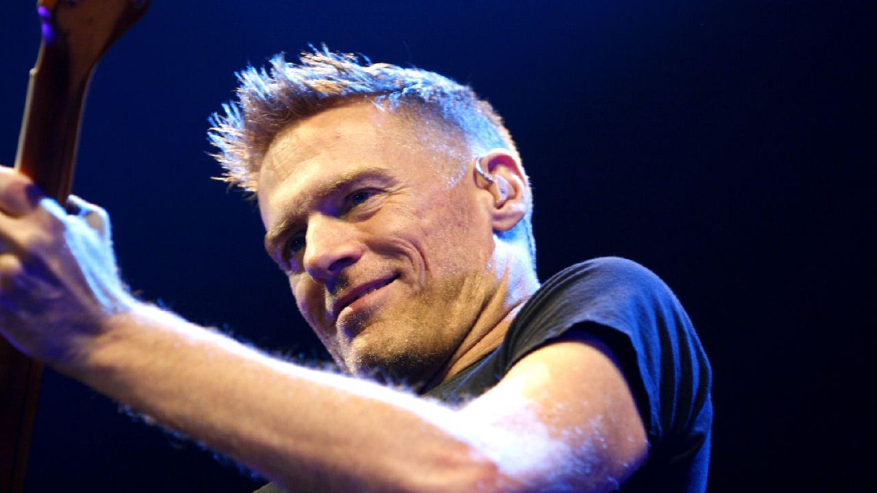 Bryan Adams performs in 2007 (Marco Maas / Flickr)