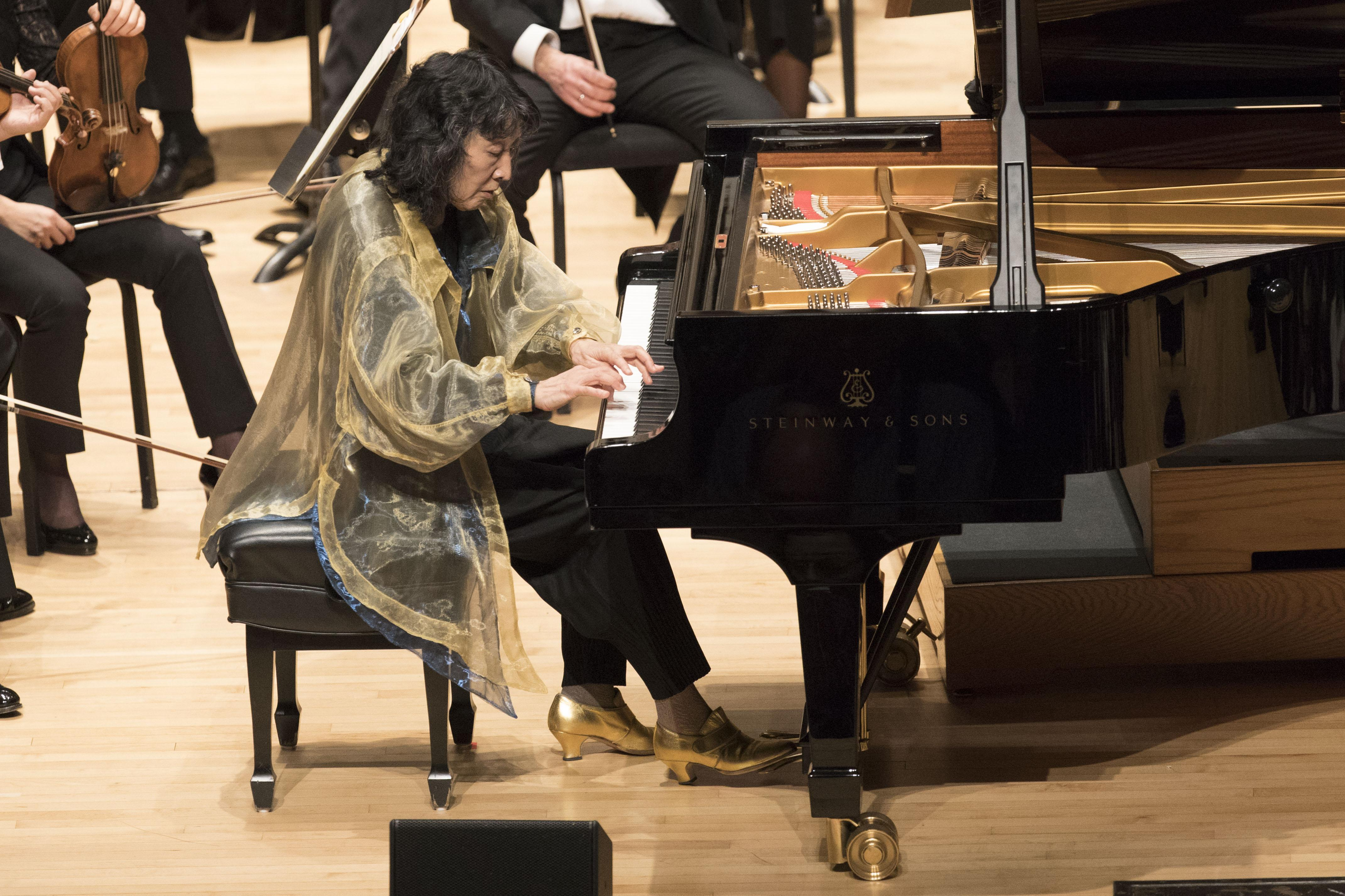 Pianist Mitsuko Uchida performs with the Chicago Symphony Orchestra in March 2017. (Photo credit: Todd Rosenberg Photography)