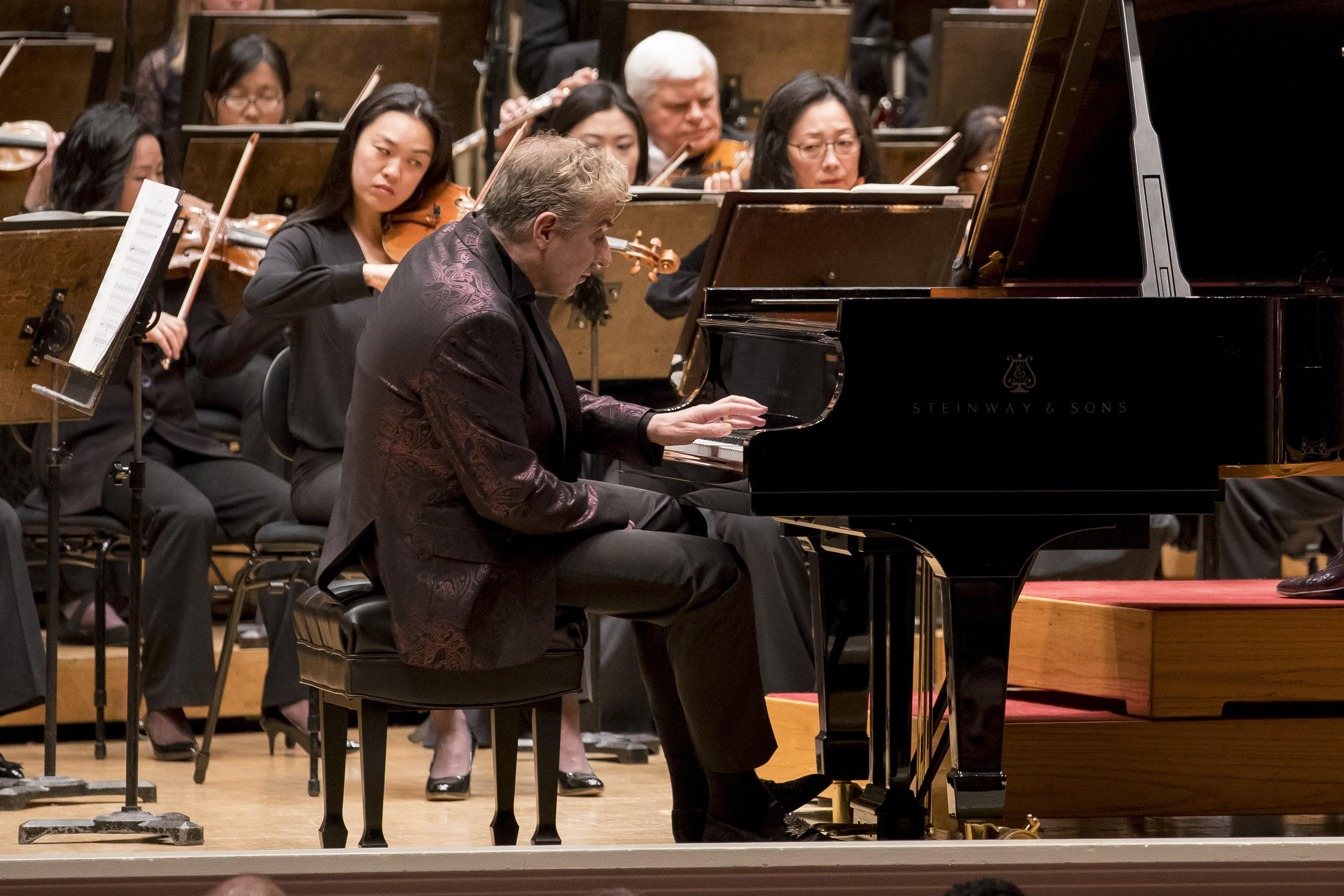 "Jean-Yves Thibaudet is soloist in Ravel's ""Piano Concerto for the Left Hand."" (Photo © Todd Rosenberg)"