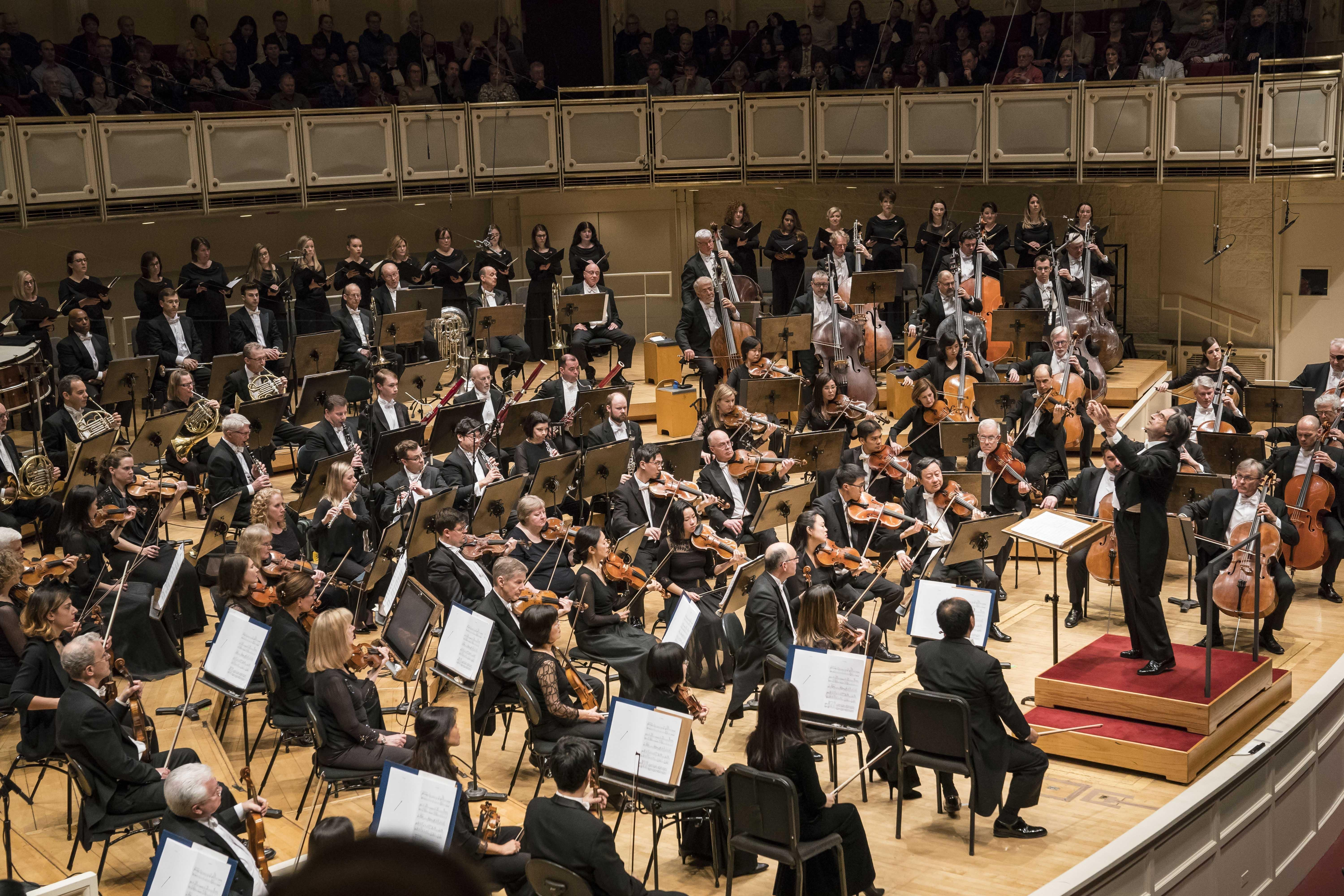 "Zell Music Director Riccardo Muti leads the Chicago Symphony Orchestra and Women of the Chicago Symphony Chorus in Debussy's ""Nocturnes."" (© Todd Rosenberg)"