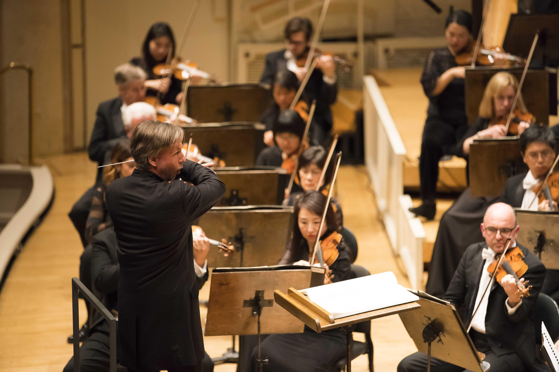 A Musical Marvel as CSO, Salonen Soar in Mahler's Haunting