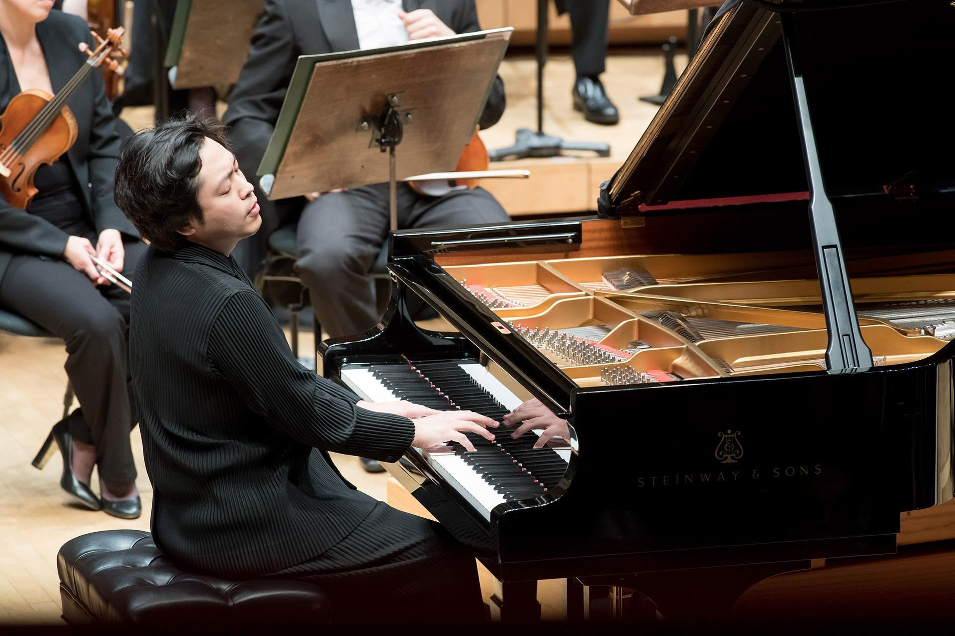 Pianist Sunwook Kim plays Mendelssohn's Piano Concerto No. 1 in his CSO debut at Symphony Center on Oct. 10, 2019. (Photo by Anne Ryan)