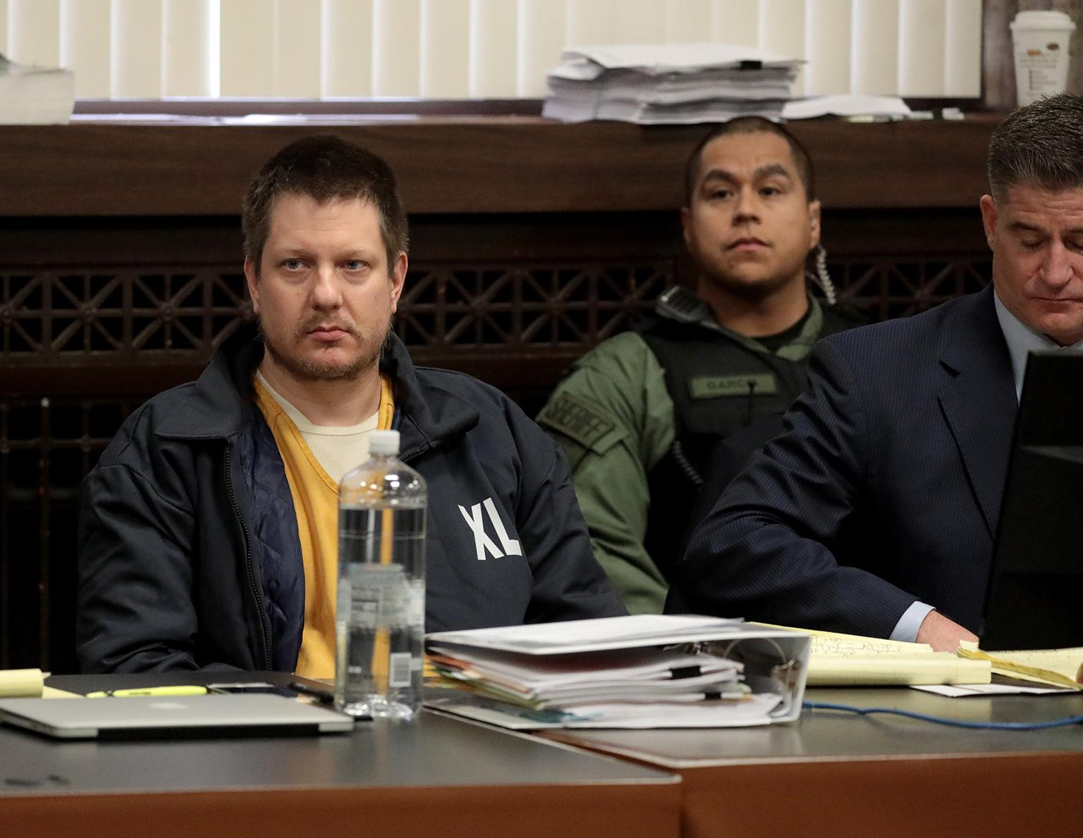 Former Chicago police Officer Jason Van Dyke and his attorney Daniel Herbert at the Leighton Criminal Court Building on Friday, Dec. 14, 2018. (Antonio Perez / Chicago Tribune / pool)