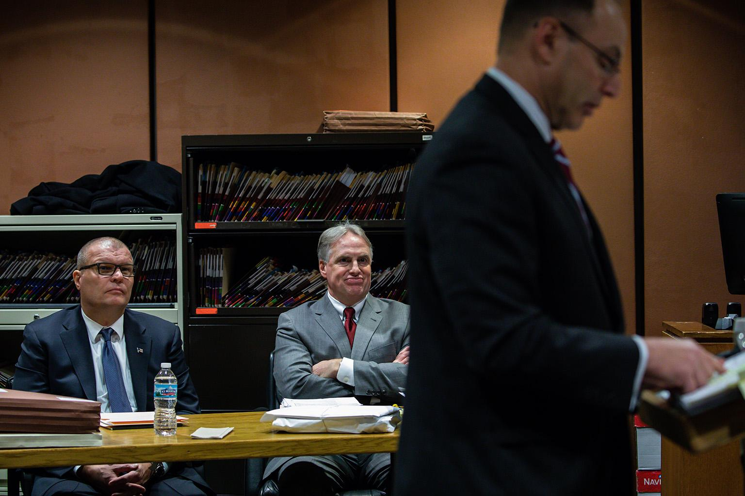 Former Detective David March, left, and his attorney James McKay look on as assistant special prosecutor Ron Safer addresses the court on Thursday, Nov. 29, 2018. (Zbigniew Bzdak / Chicago Tribune / Pool)