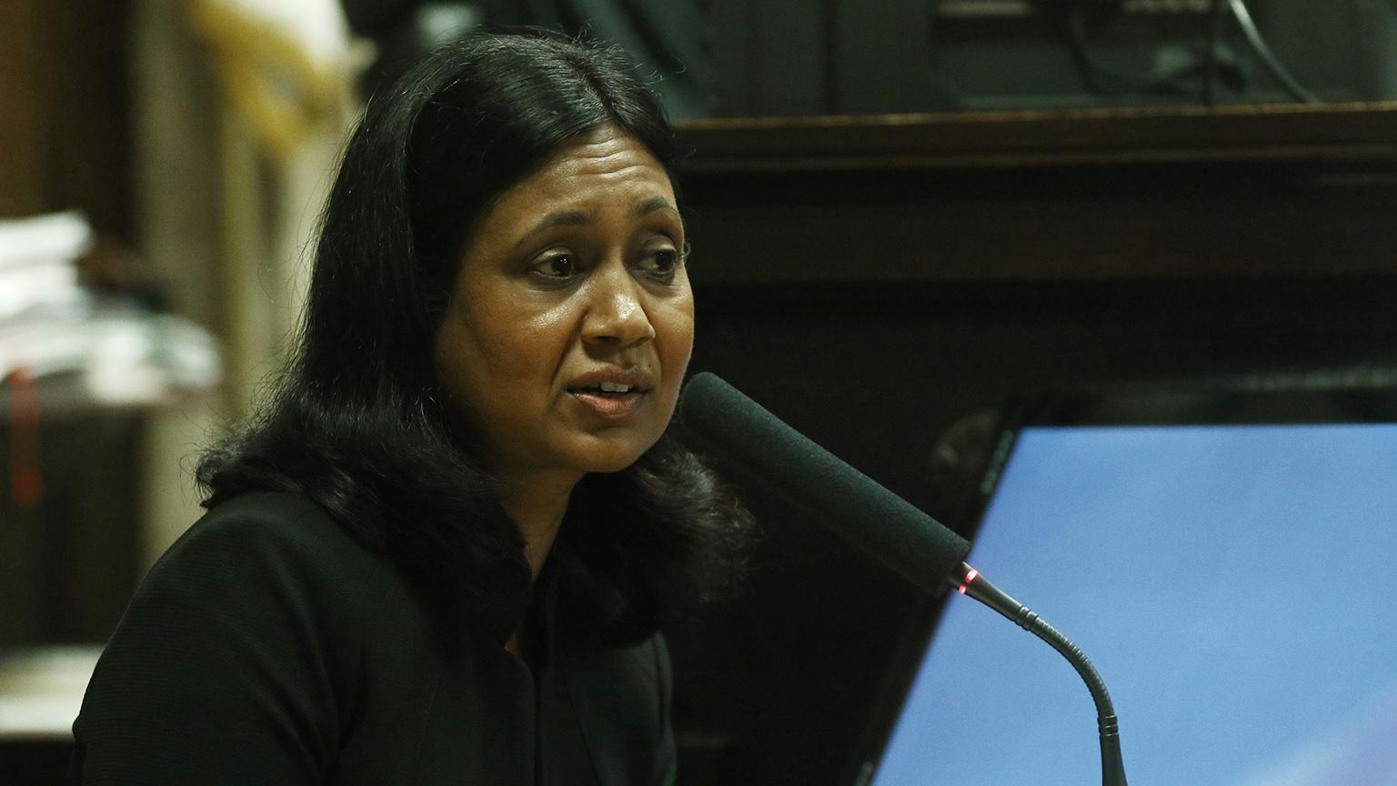 Cook County Medical Examiner Dr. Ponni Arunkumar testifies at the trial of Jason Van Dyke on Wednesday, Sept. 19, 2018. (John J. Kim / Chicago Tribune / Pool)