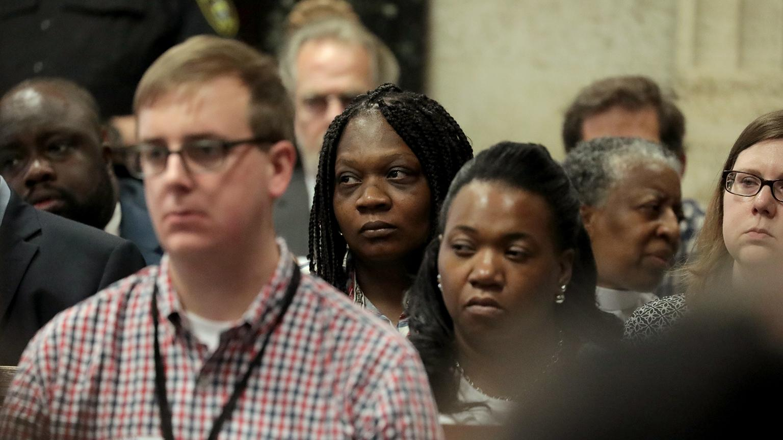 Tina Hunter, center, watches from the gallery during the trial for the shooting death of her son at the Leighton Criminal Court Building on Thursday, Sept. 20, 2018. (Antonio Perez / Chicago Tribune / Pool)