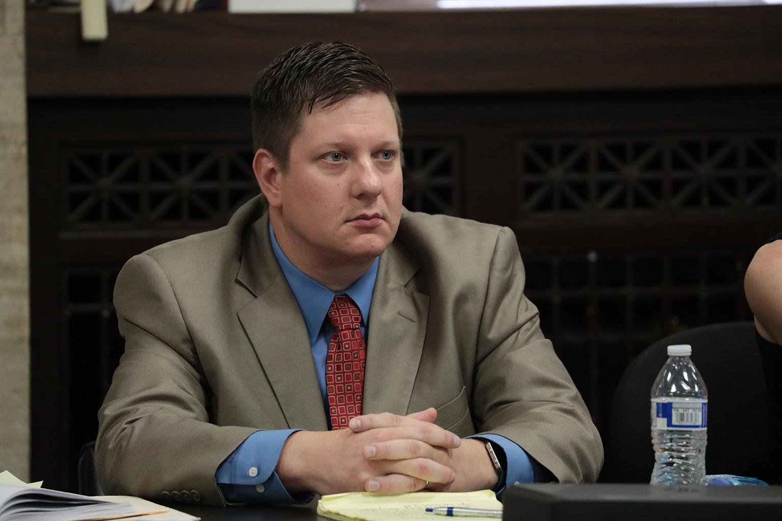 Chicago police Officer Jason Van Dyke listens to closing arguments Thursday, Oct. 4, 2018. (Antonio Perez / Chicago Tribune / Pool)