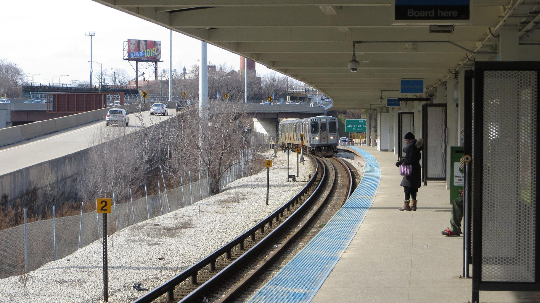 Taking the Blue Line this weekend? The Grand station will be closed from 10 p.m. Friday through 4 a.m. Monday. Other closures are set for Red Line stations in Edgewater. (David Wilson / Flickr)