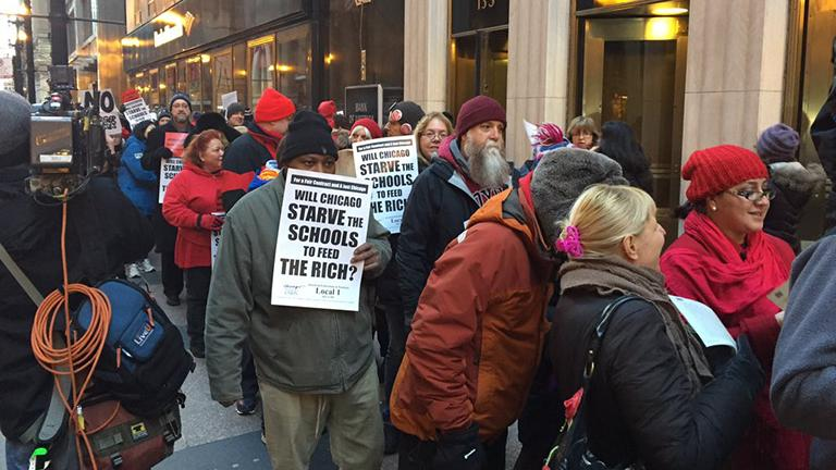 Chicago Teachers Union rally begins in the Loop. (Paris Schutz)
