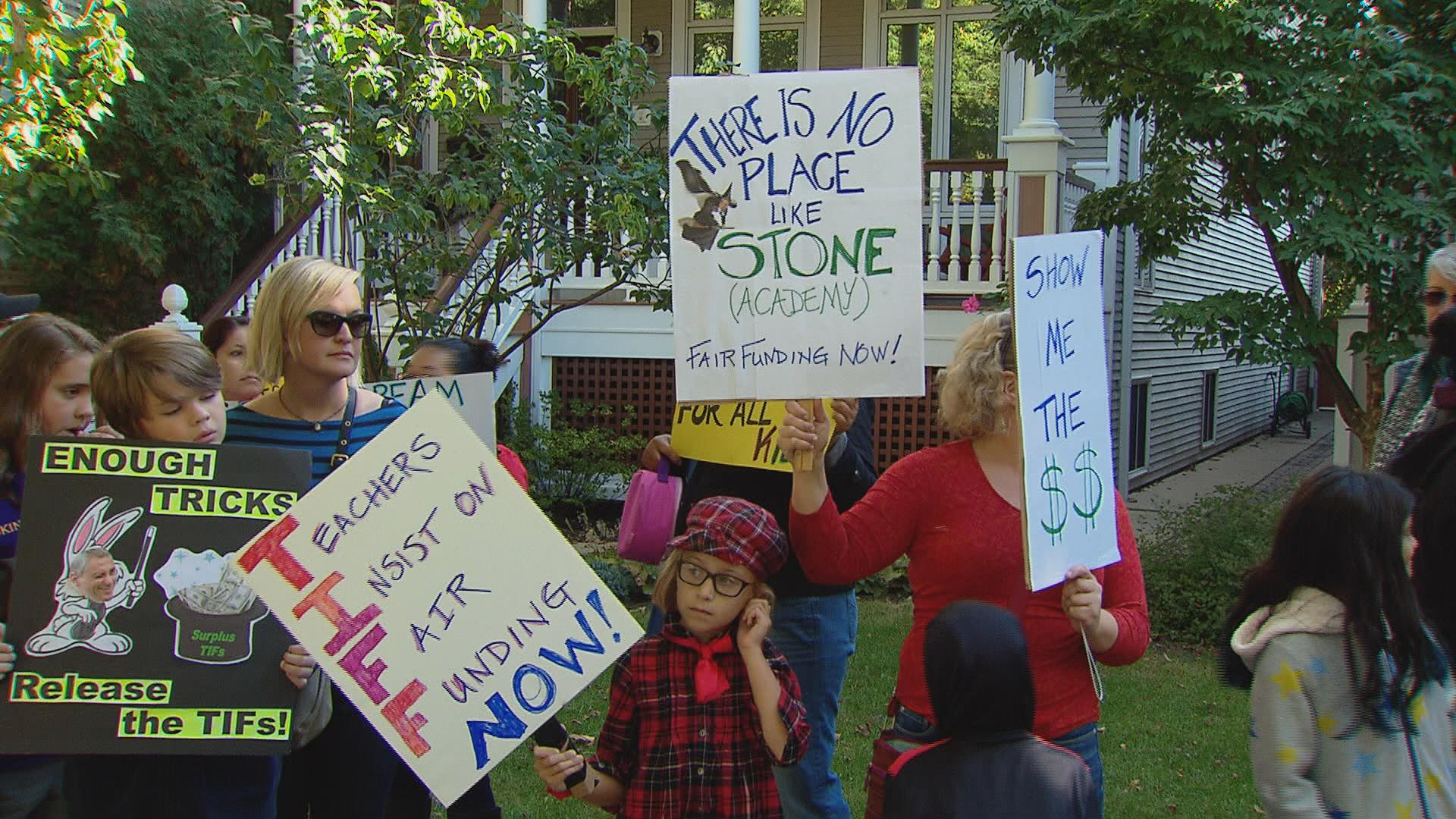 The group Parents 4 Teachers held a demonstration Monday morning in the Ravenswood neighborhood of Mayor Rahm Emanuel, calling on him to divert TIF funds to stabilize Chicago Public Schools funding.
