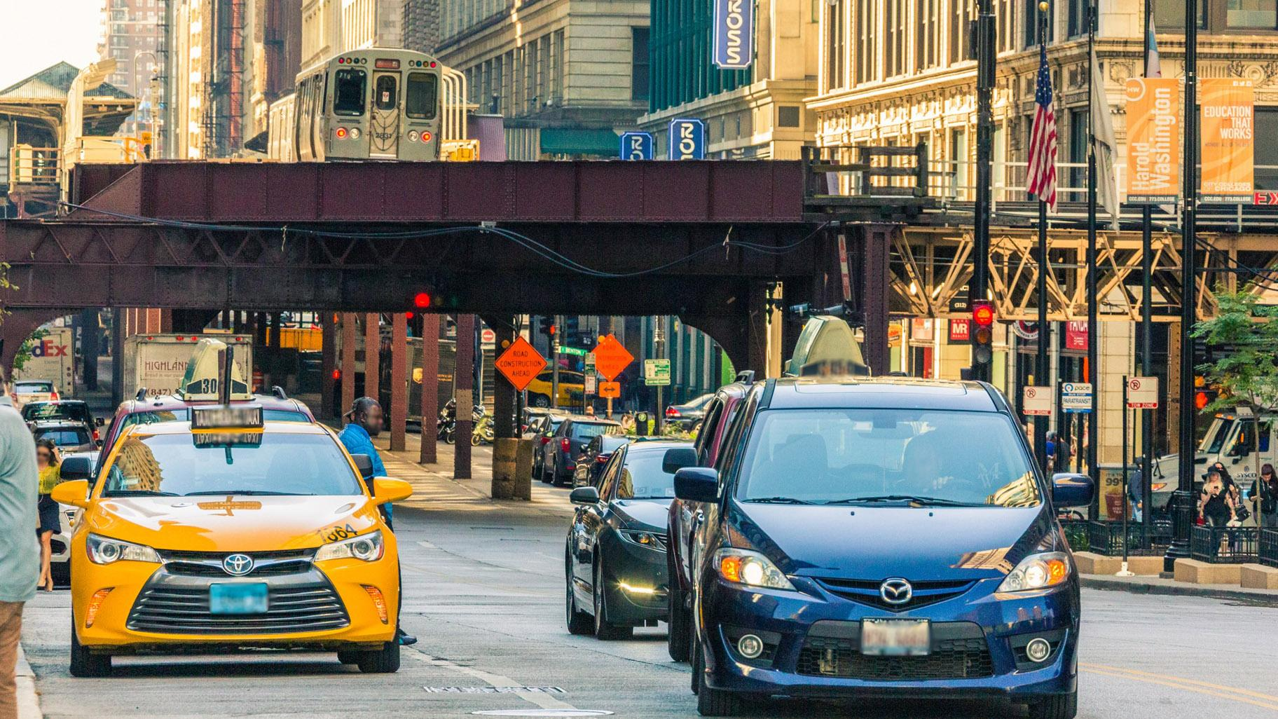 Can Chicago eliminate deadly traffic crashes? It's trying. (Petr Kratochvil / Public Domain Pictures)