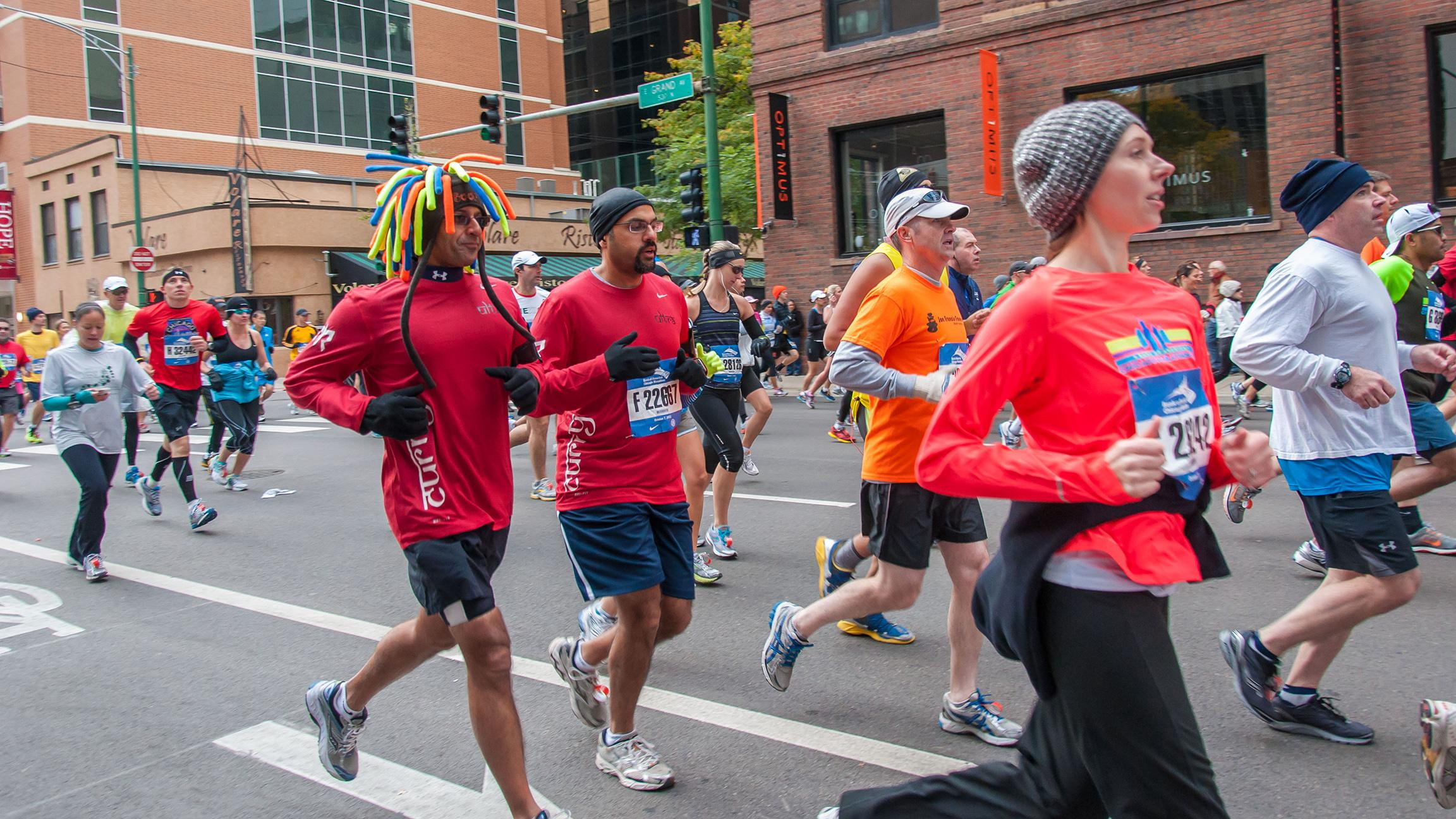 Show runners some love on Sunday for the 39th annual Chicago Marathon. (bradhoc / Flickr)