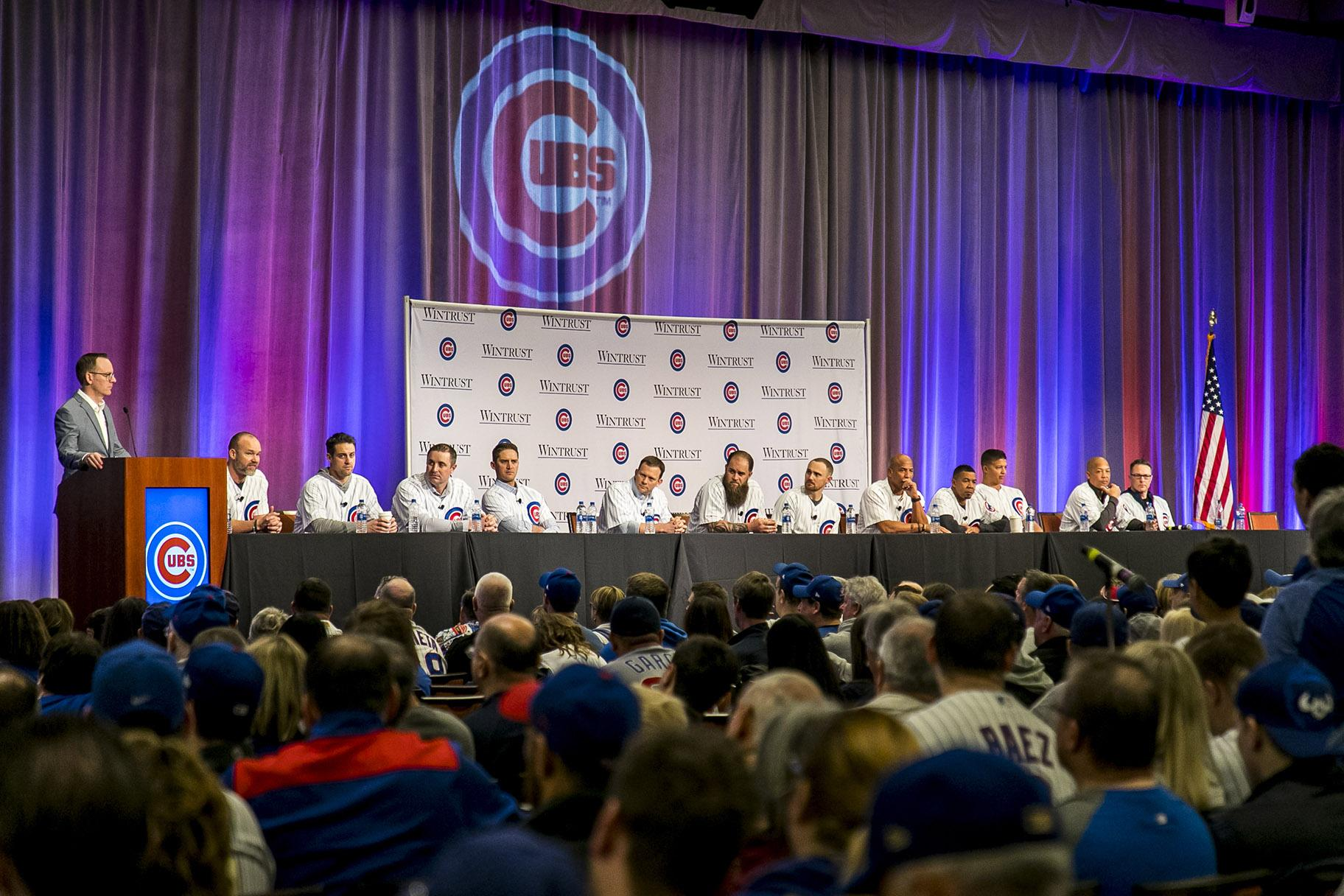 Cubs broadcaster Len Kasper leads a panel of Cubs players at the recent Cubs Convention. (Courtesy Steve Green / Chicago Cubs)