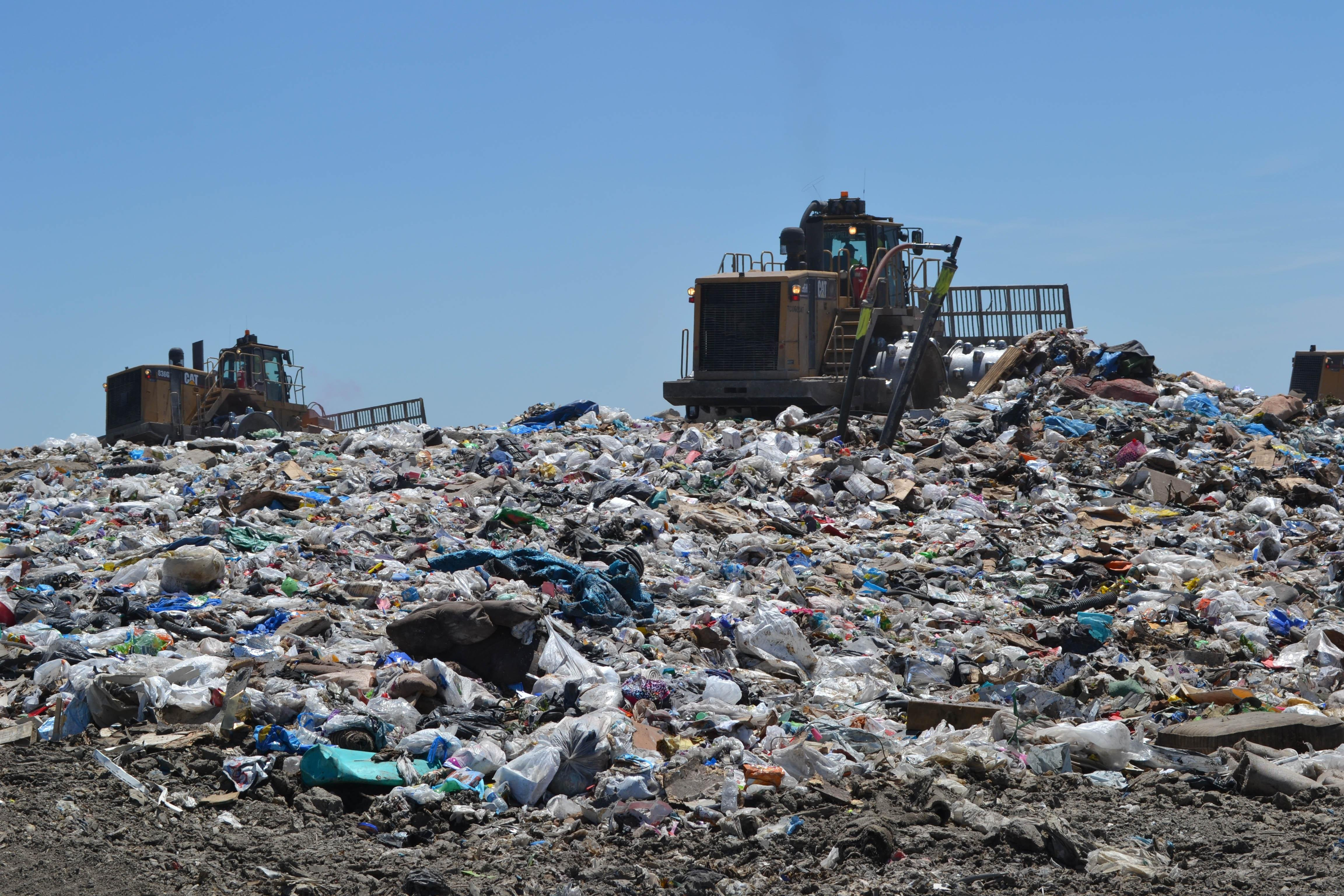 About 5,000 tons of trash from Chicago and the surrounding area is dumped every day at the landfill.