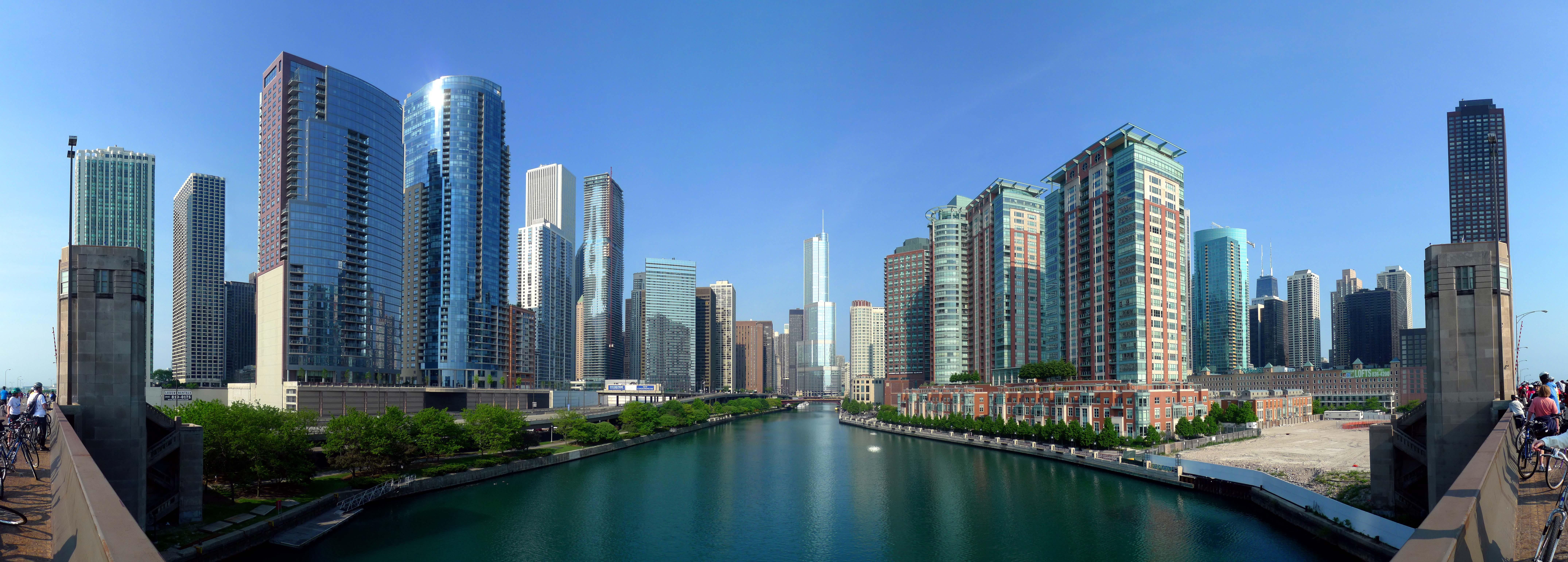 A panoramic view of the Chicago River from Lake Shore Drive, with Trump Tower at its center. (David B. Gleason / Flickr)