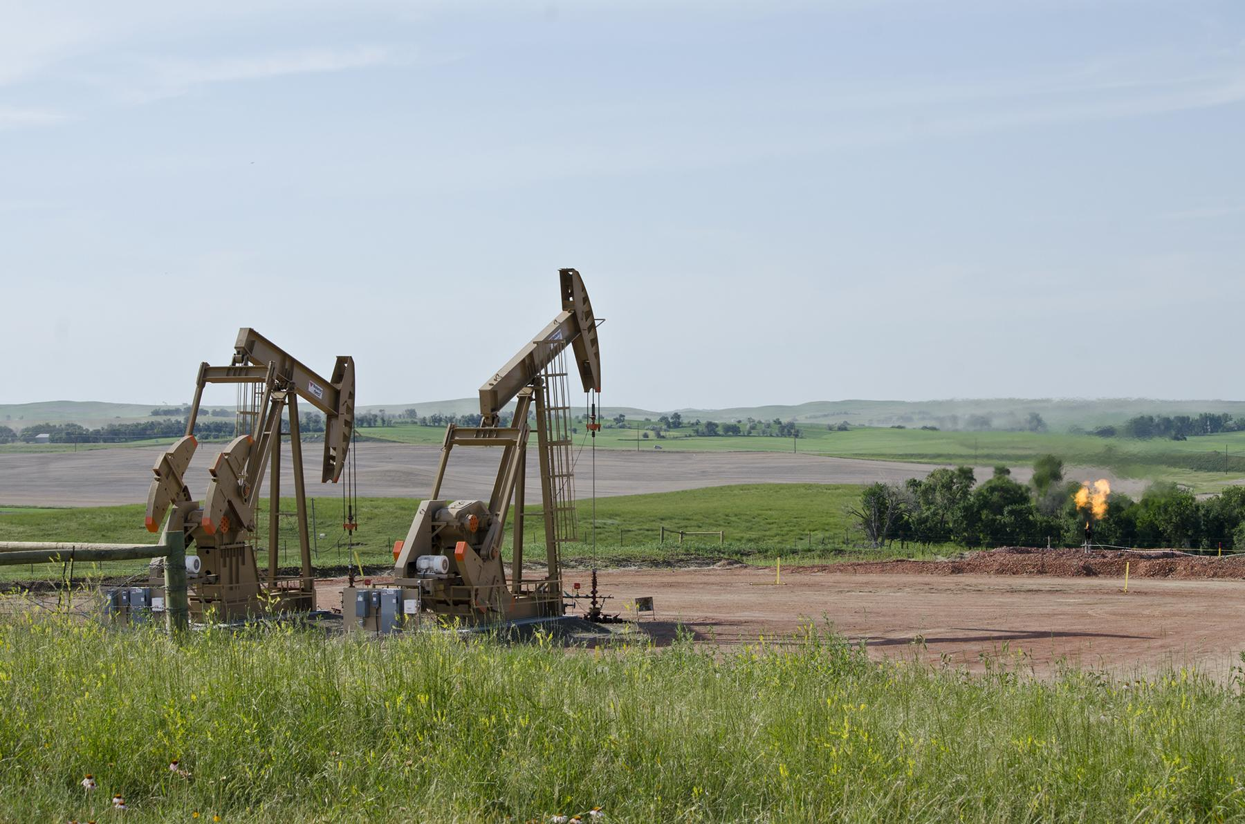 Fracking wells in McKenzie County, North Dakota (Tim Evanson / Flickr)