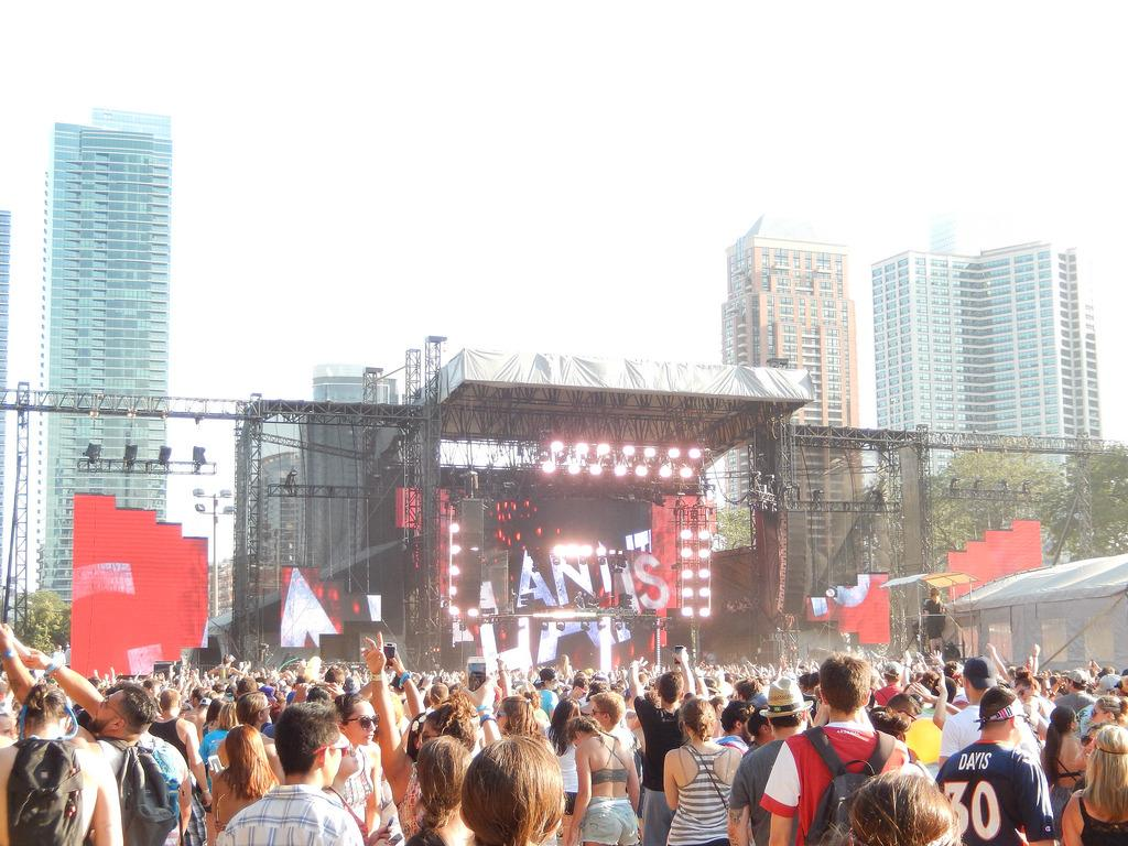Galantis performs at Lollapalooza in 2015. (Swimfinfan / Flickr)