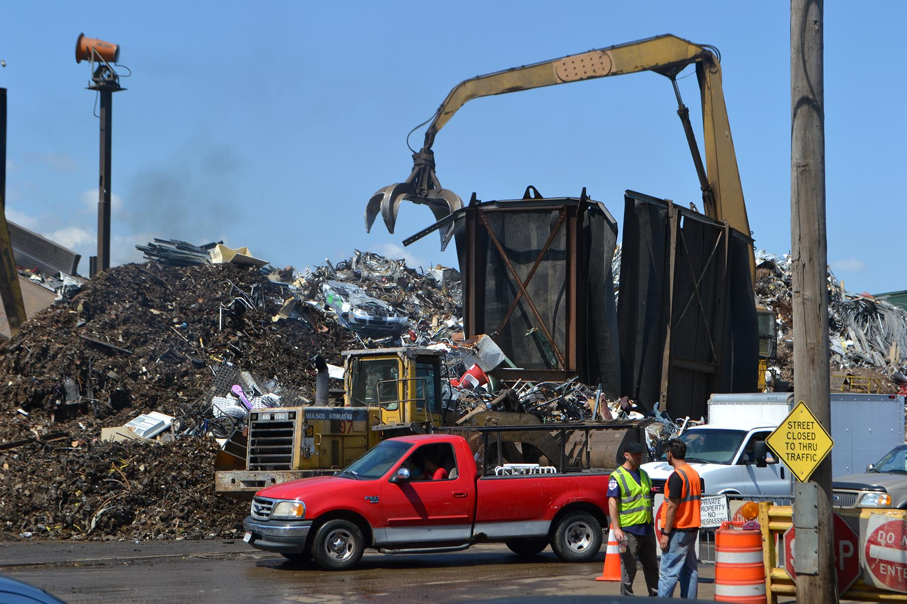 General Iron's scrap metal yard at 1909 N. Clifton Ave. in Lincoln Park. (Alex Ruppenthal / WTTW News)