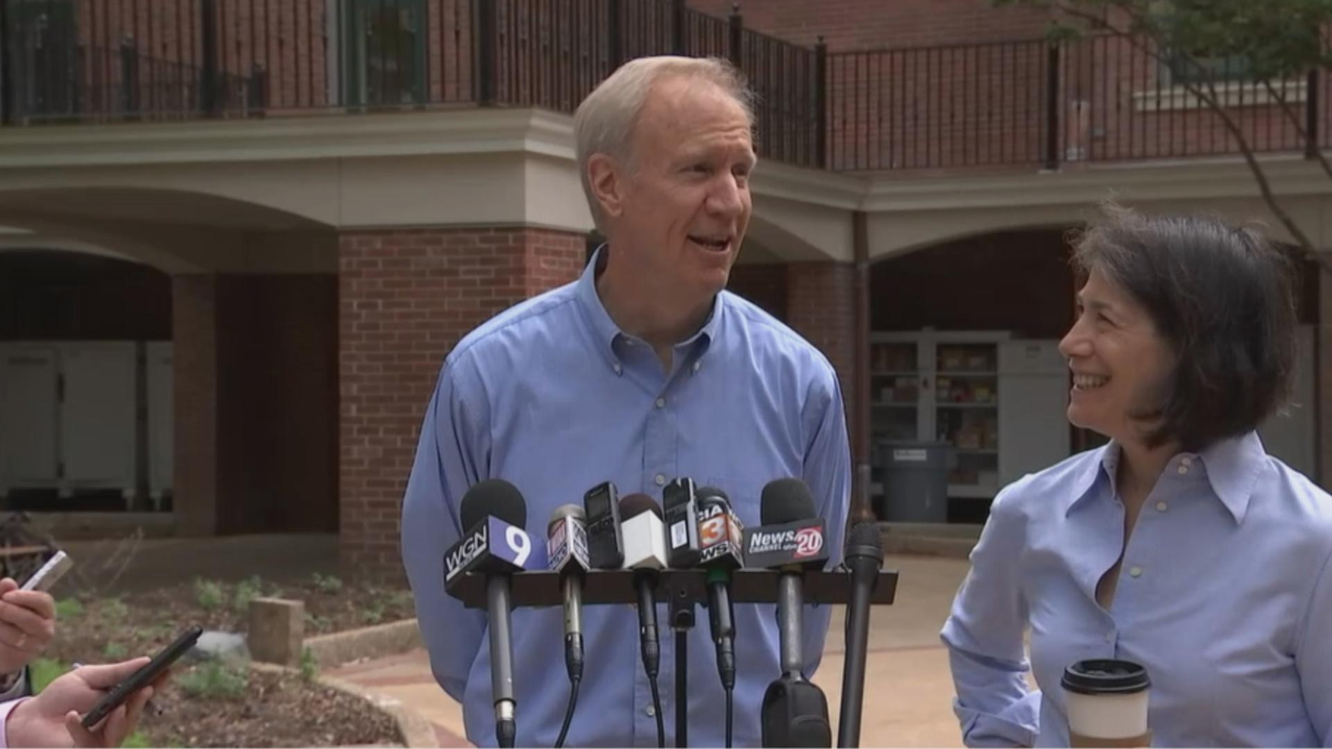 Gov. Bruce Rauner and his wife, Diana Rauner, during a press conference outside the Illinois Governor's Mansion. (Chicago Tonight file photo)