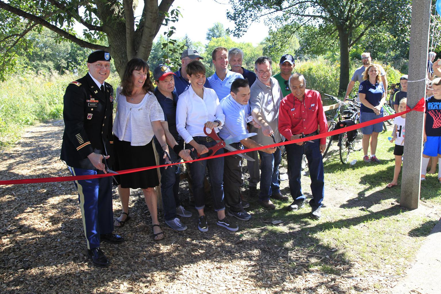 Federal and local officials celebrate the opening of the restored riverfront at Horner Park on Sept. 15, 2018. (Courtesy U.S. Army Corps of Engineers)