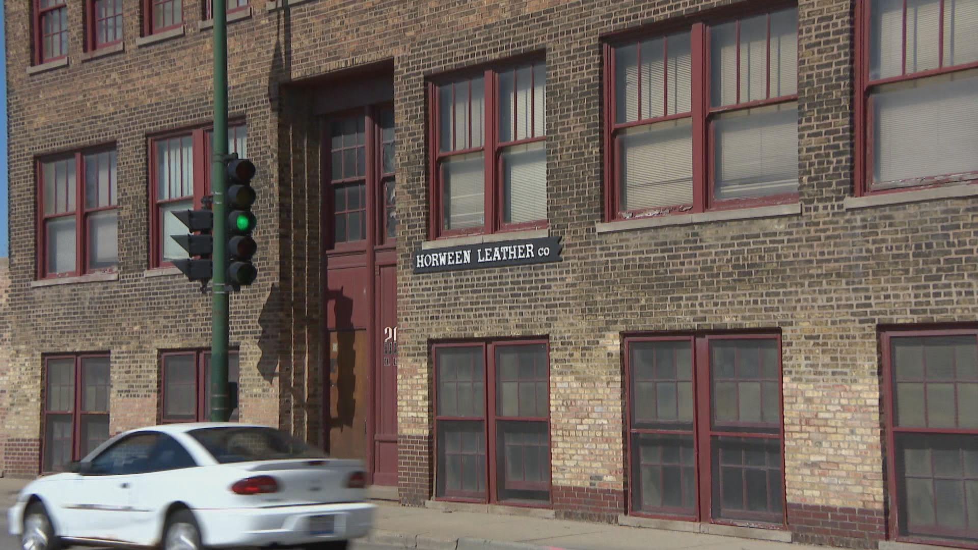 ff8ba5f5fc His great-grandfather Isadore Horween founded the company in 1905 and moved  it into its current five-floor factory in the Bucktown neighborhood on  Chicago s ...