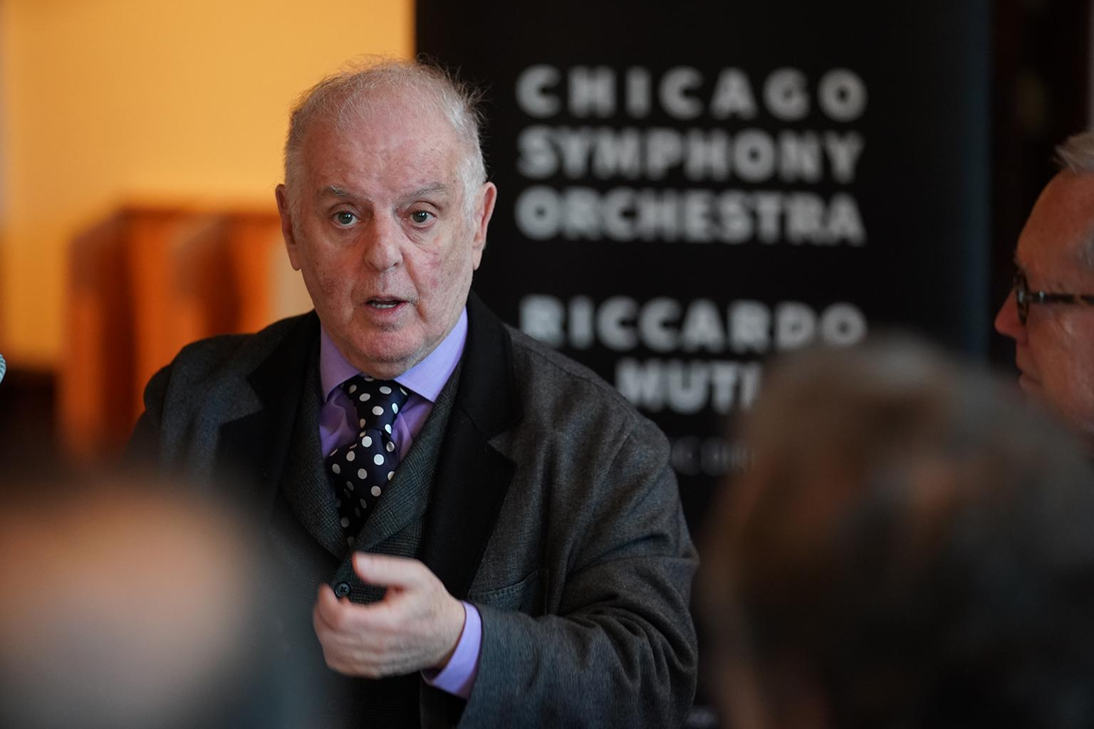 Daniel Barenboim speaks at a Chicago Symphony Orchestra press event on Monday, Oct. 29, 2018. (Credit: Todd Rosenberg)