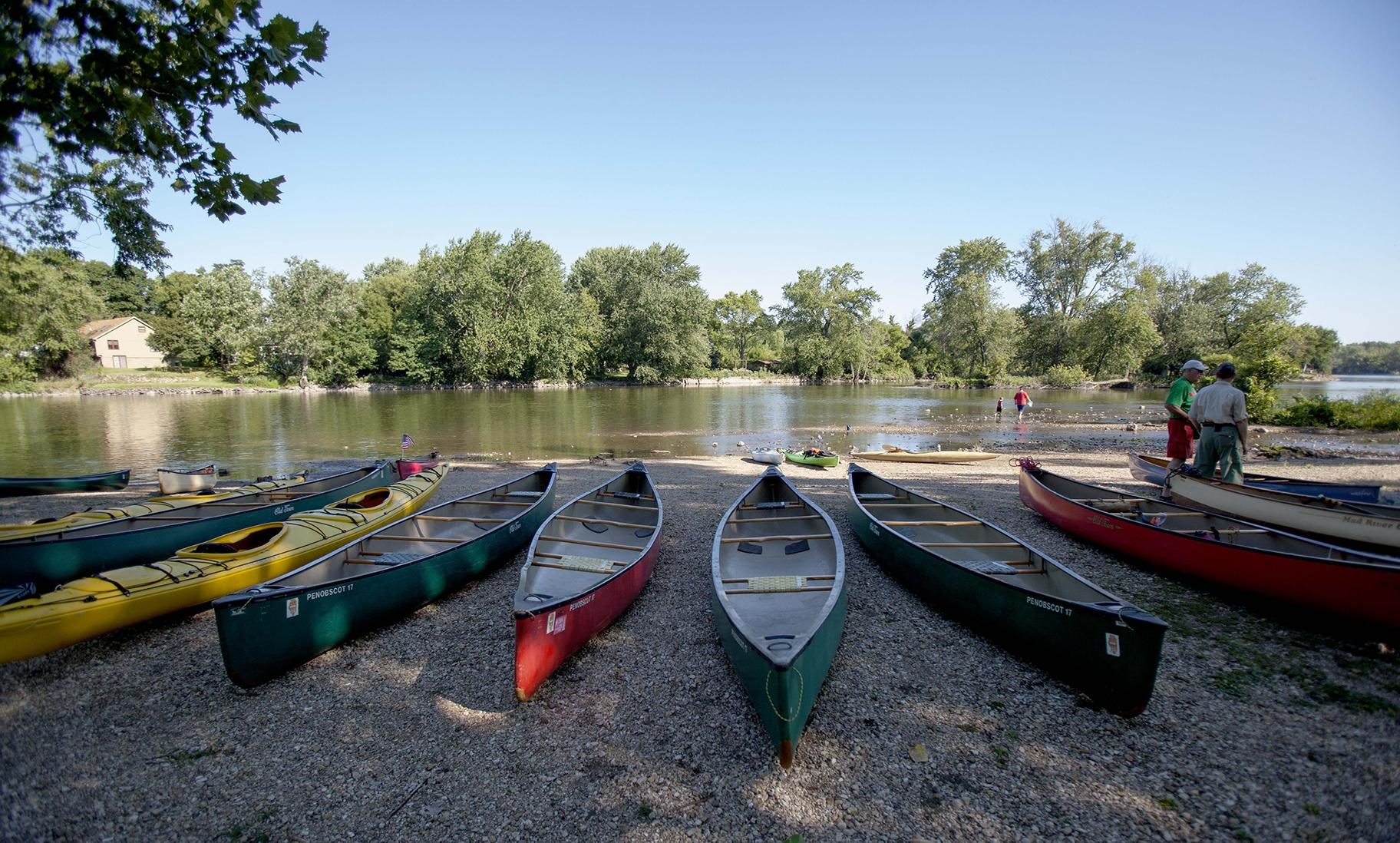 Canoes next to the Fox River (COD Newsroom / Flickr)