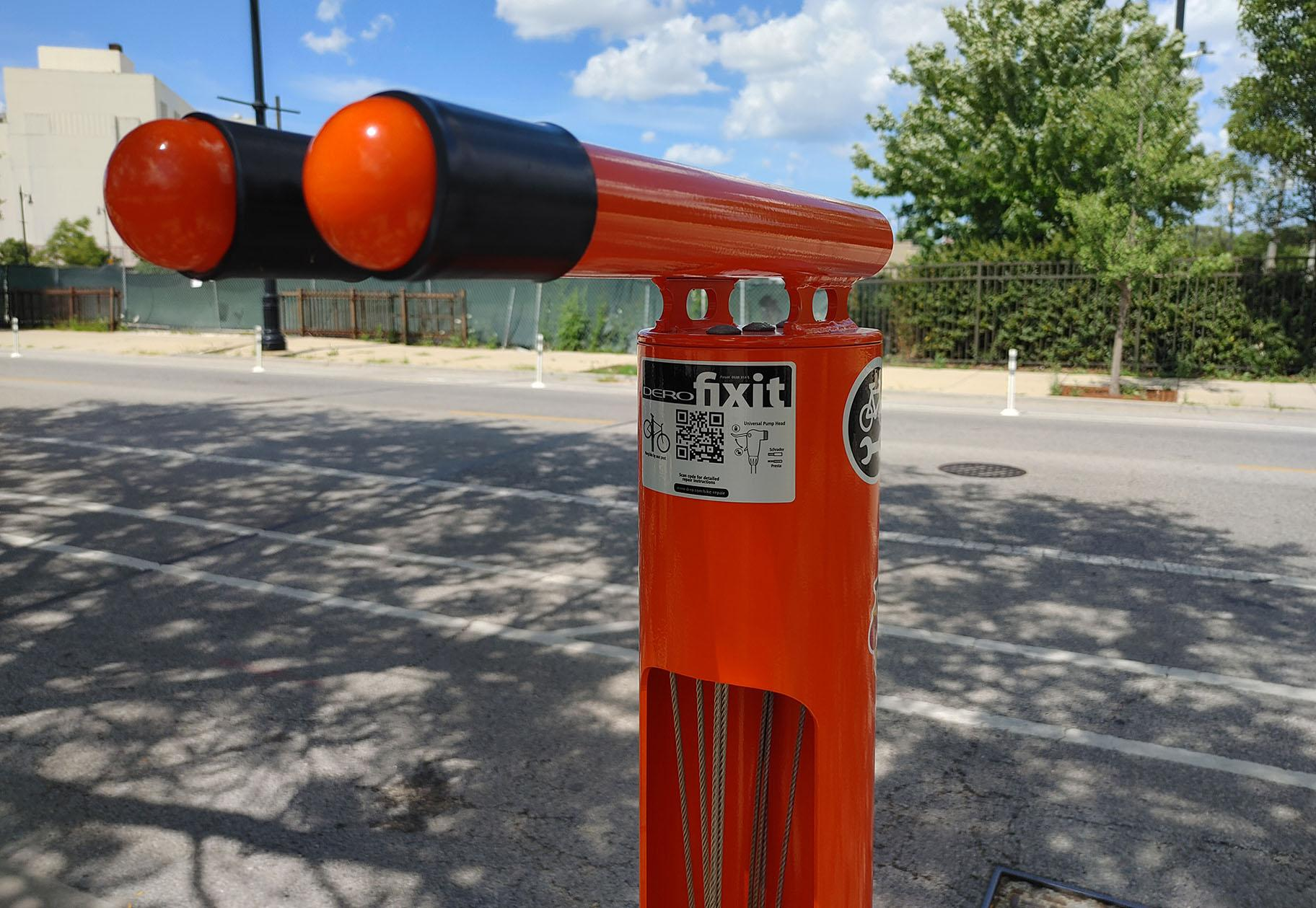 A Dero Fixit bike repair station near Milwaukee and Kilpatrick avenues in Portage Park. (Erica Gunderson / WTTW News)